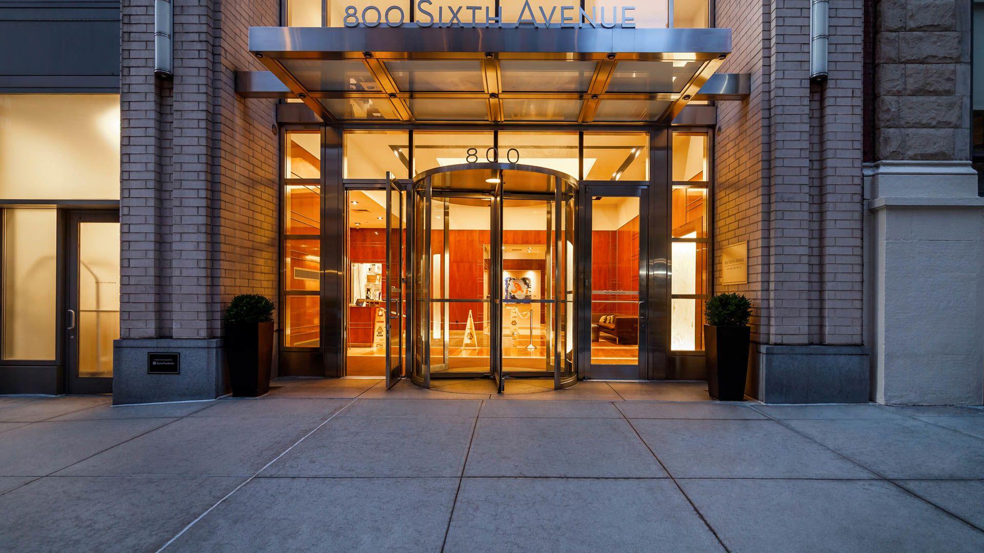 800 Sixth Apartments - Exterior