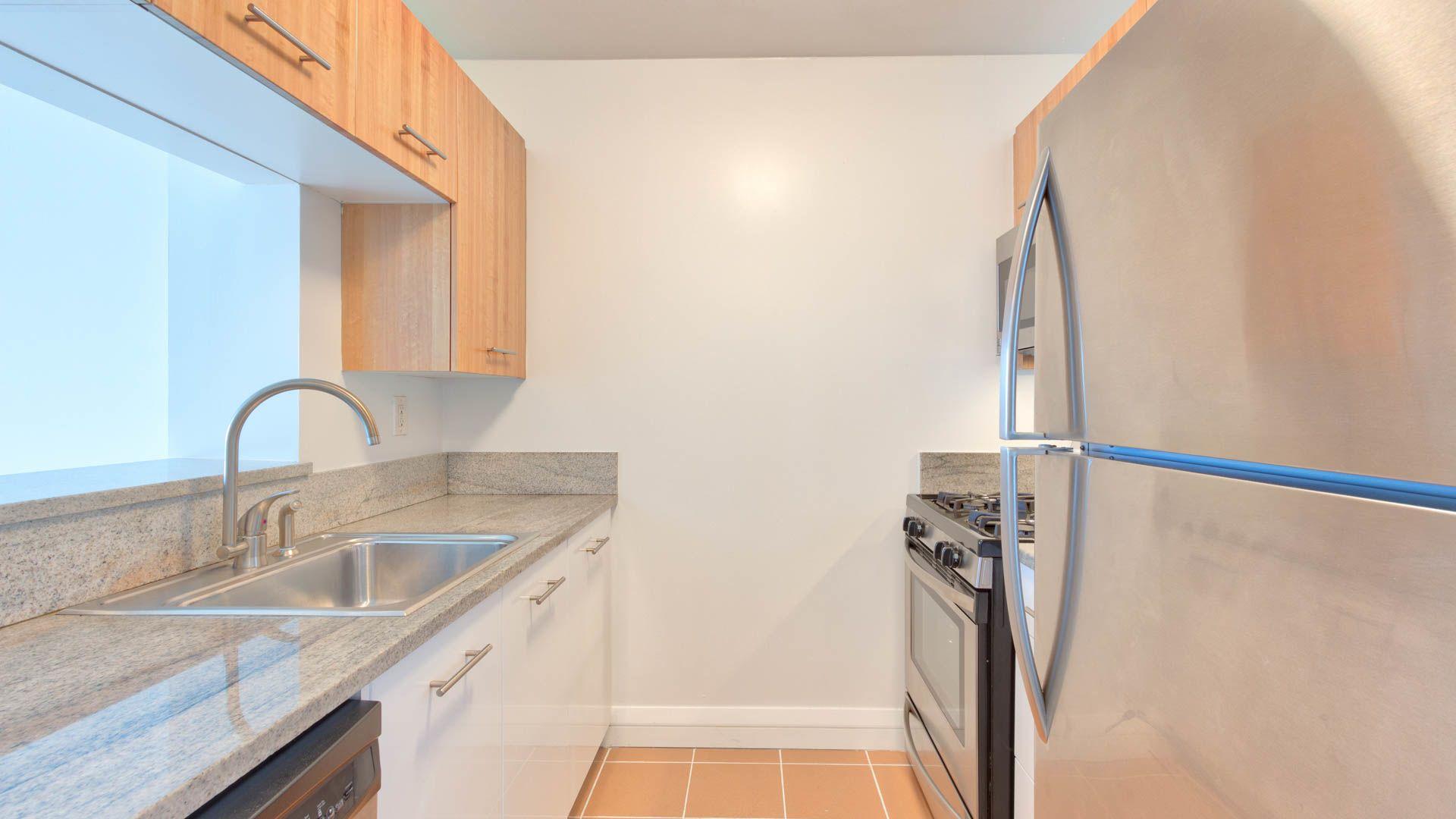 800 Sixth Apartments - Kitchen