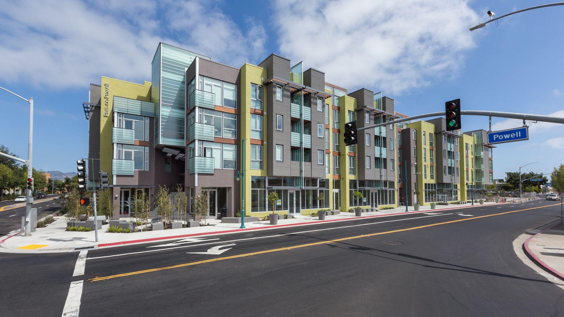 Parc on Powell Apartments - Building