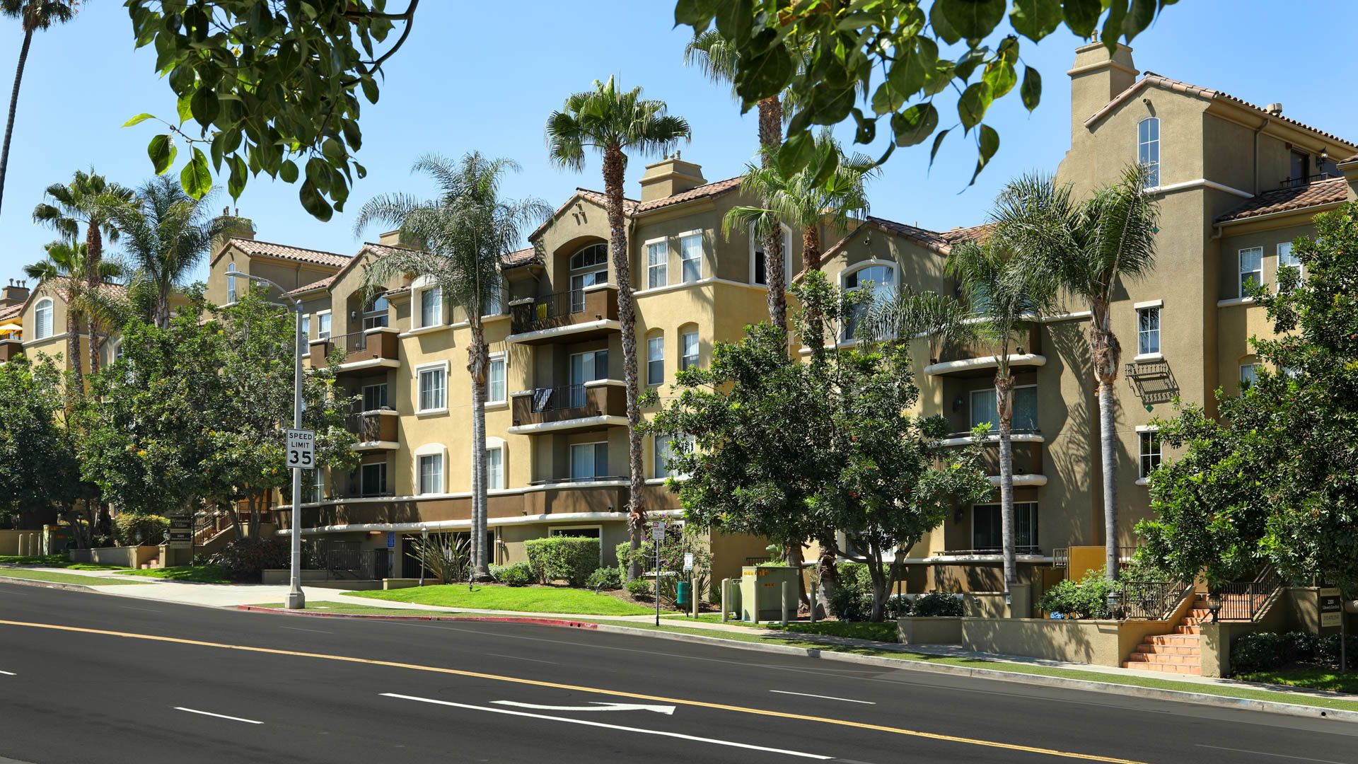 Hollywood villa apartments los angeles latest for Villas apartments