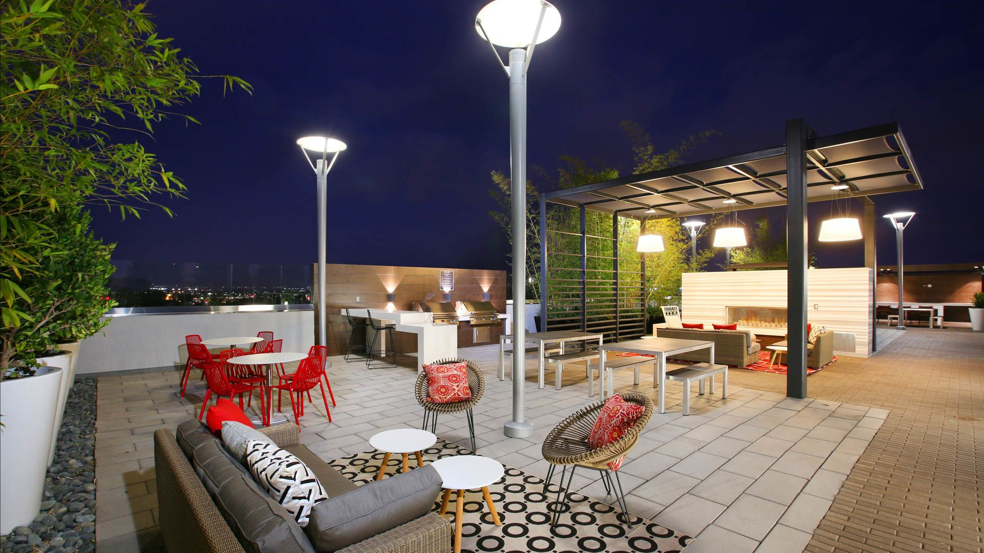 The Alton Apartments - Rooftop Deck