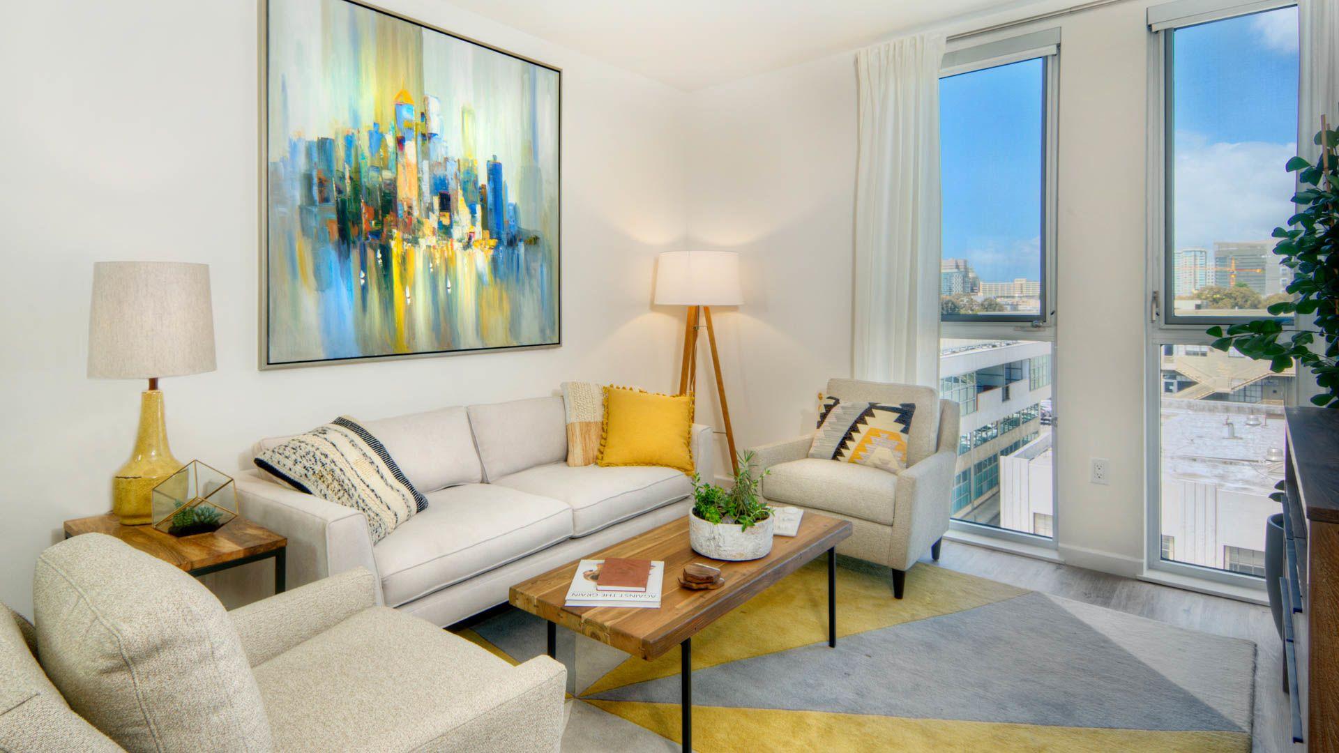 855 Brannan Apartments - Living Room