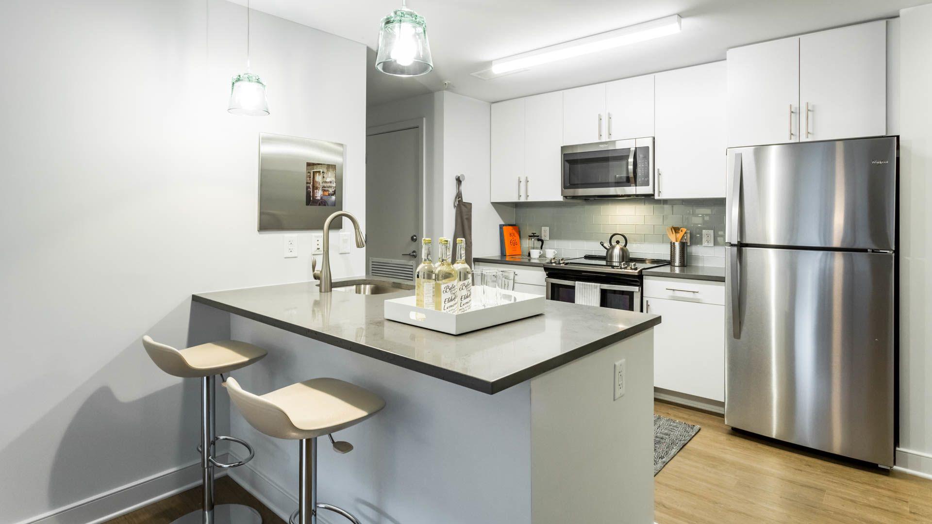455 Eye Street Apartments - Kitchen