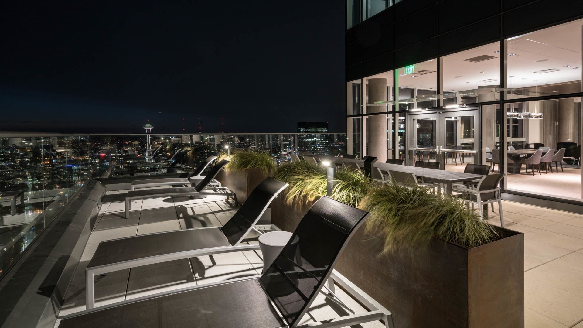 Helios Apartments - Rooftop Lounge