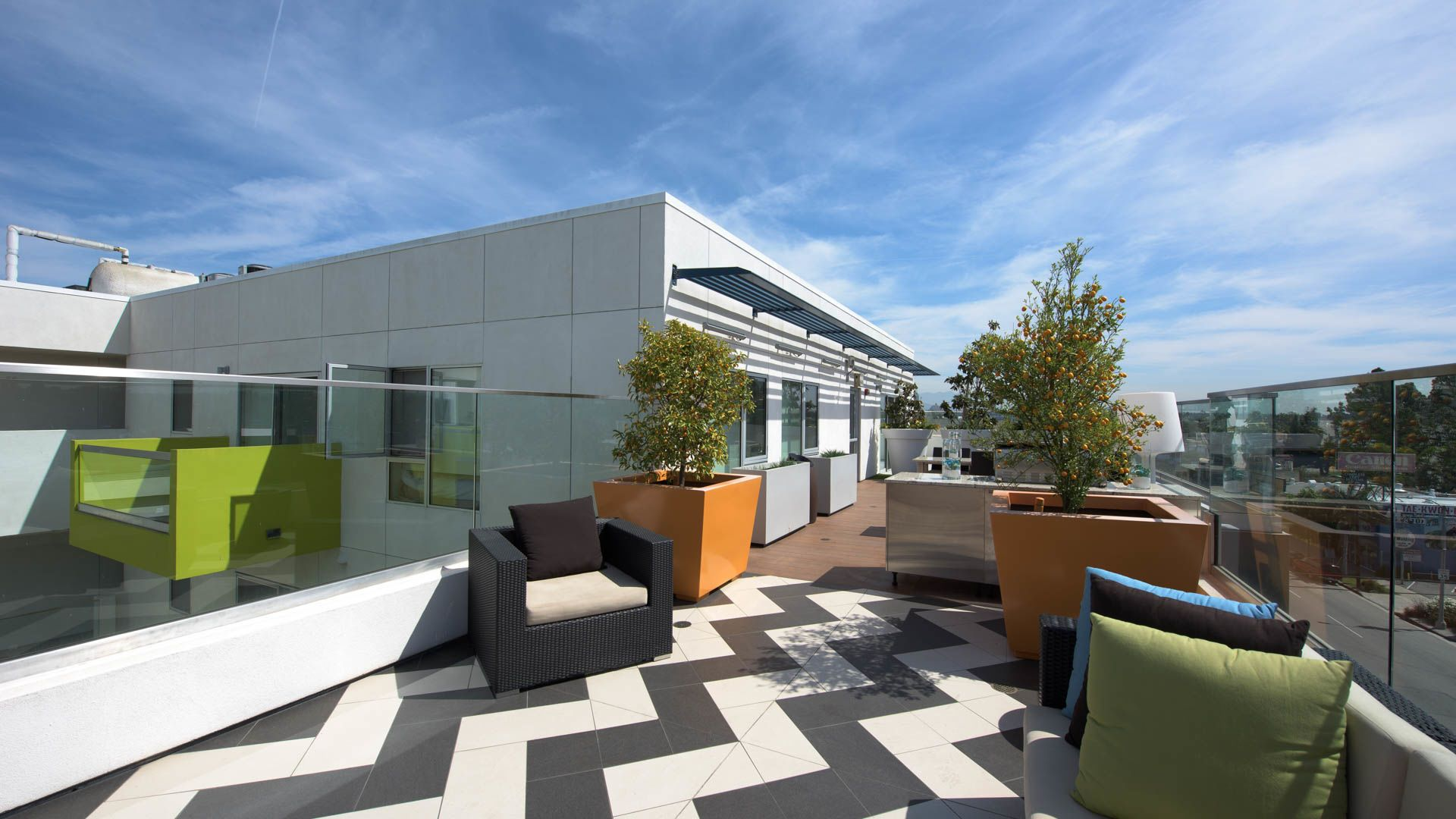 C on Pico Apartments - Rooftop