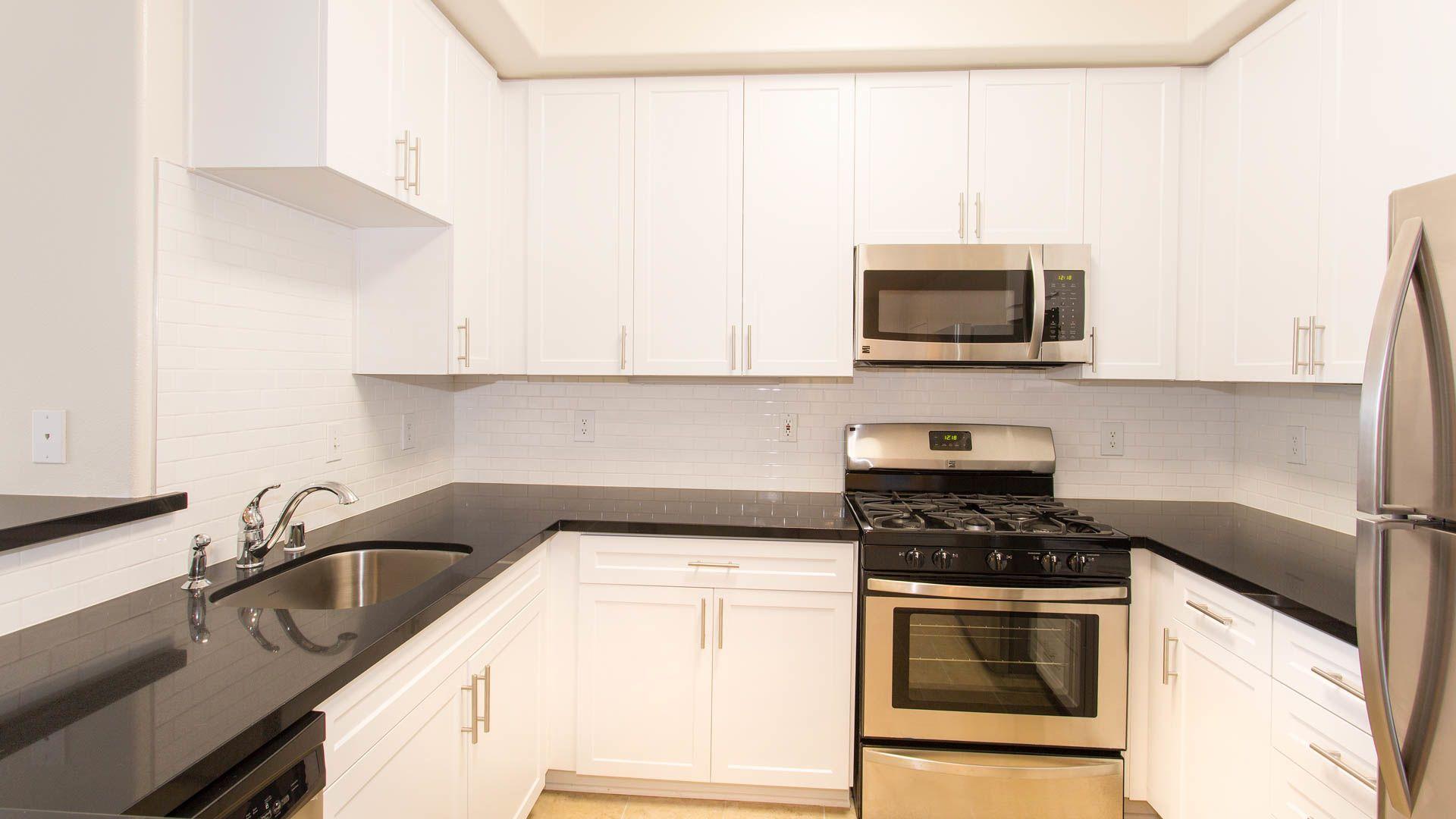 Westside on Barrington Apartments - Kitchen