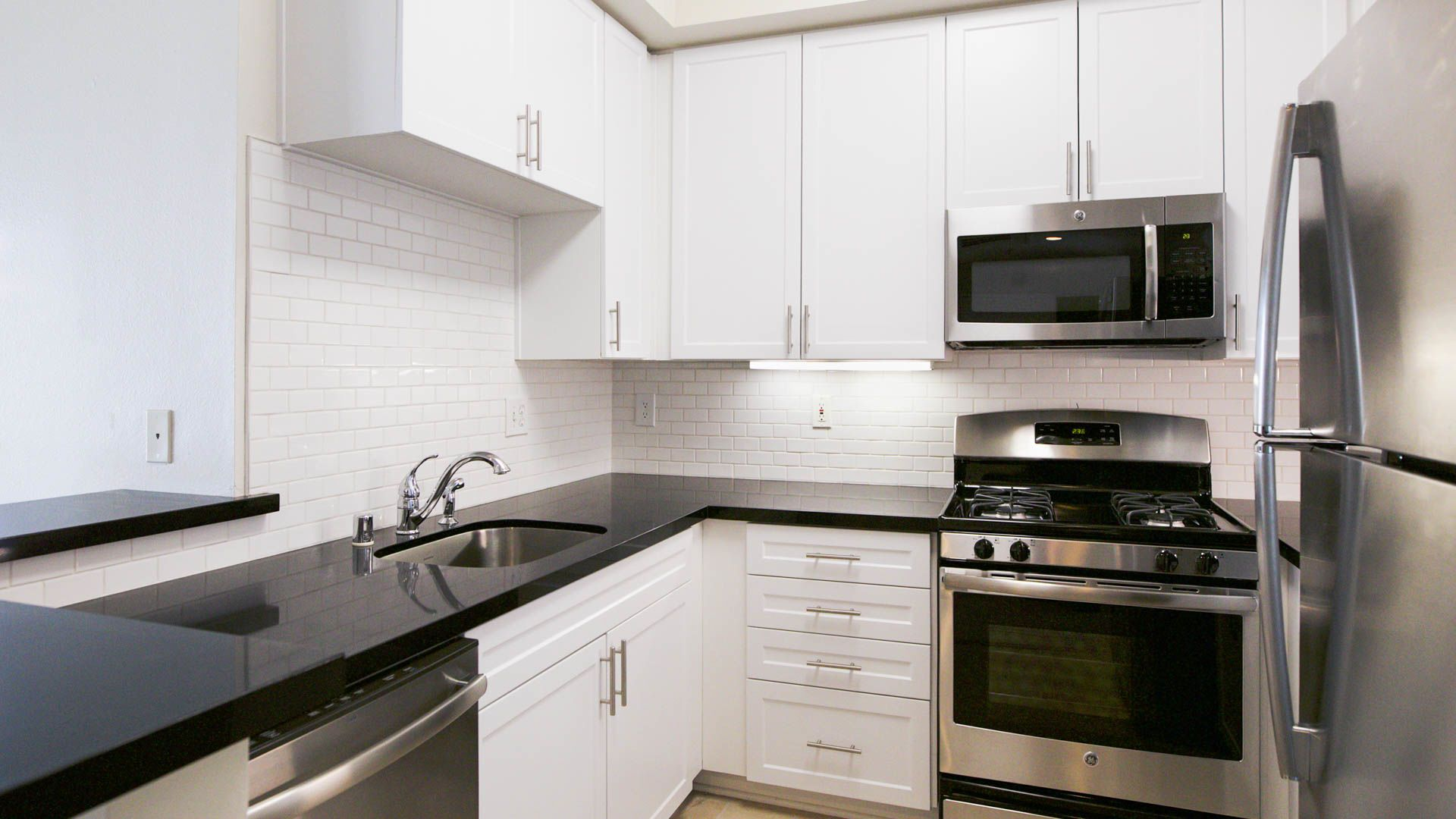 Westside on Bundy Apartments - Kitchen
