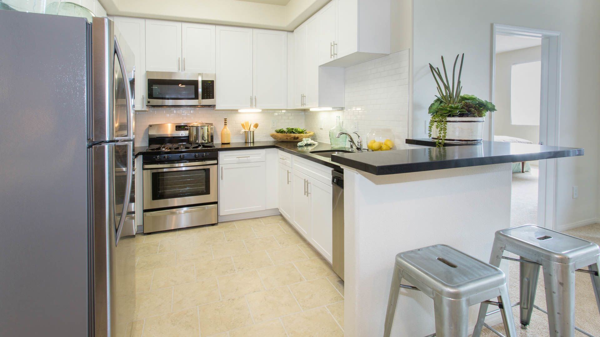 Westside on Butler Apartments - Kitchen