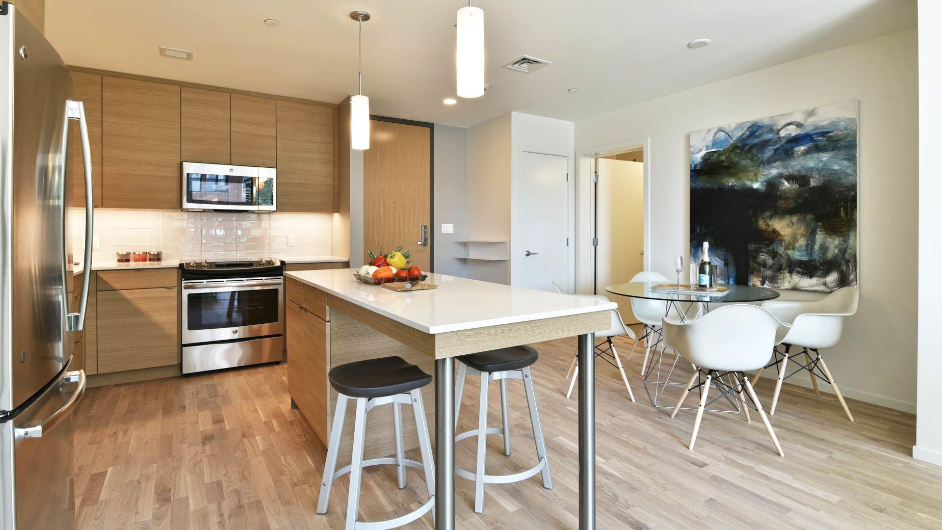Girard Apartments - Kitchen