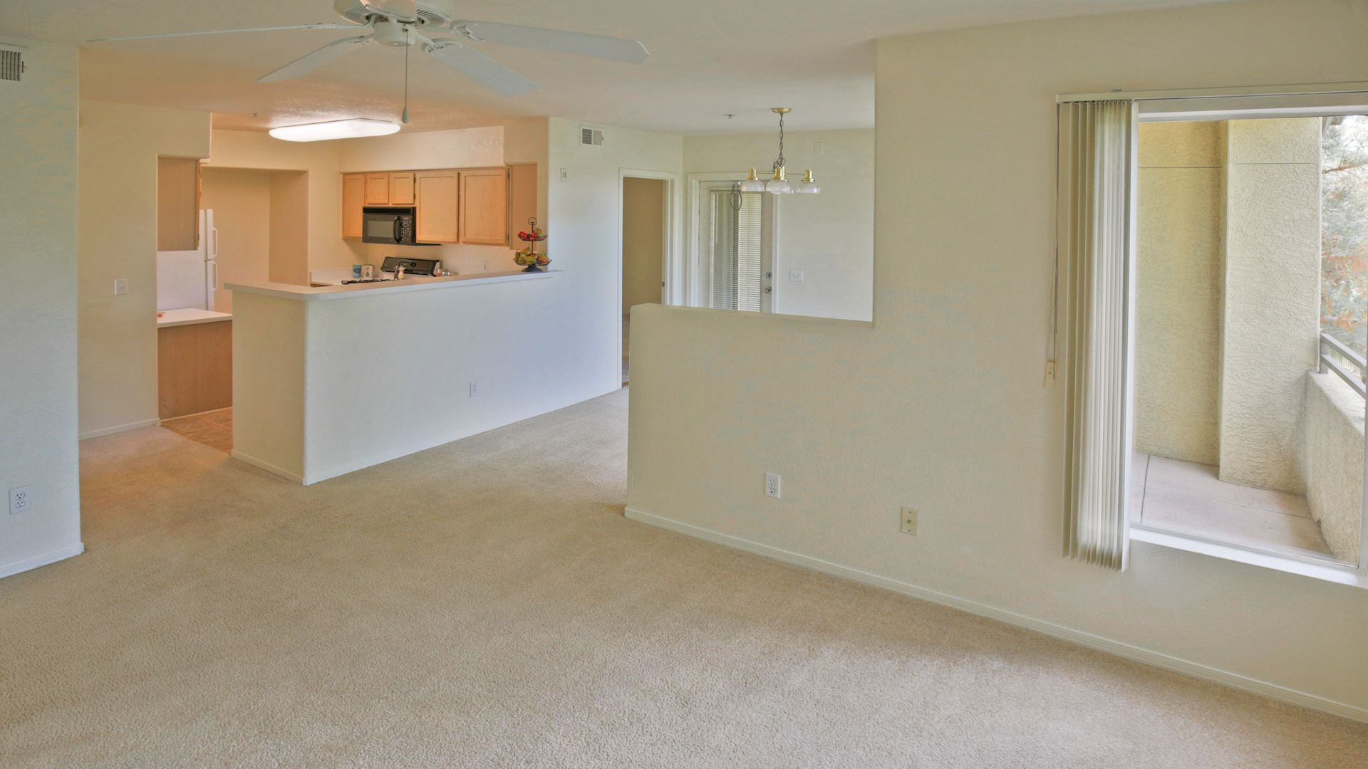 Isle at Arrowhead Ranch Apartments - Living Room