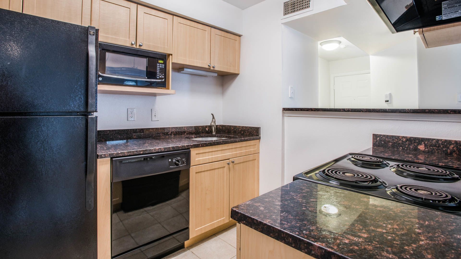 Lincoln Heights Apartments - Kitchen