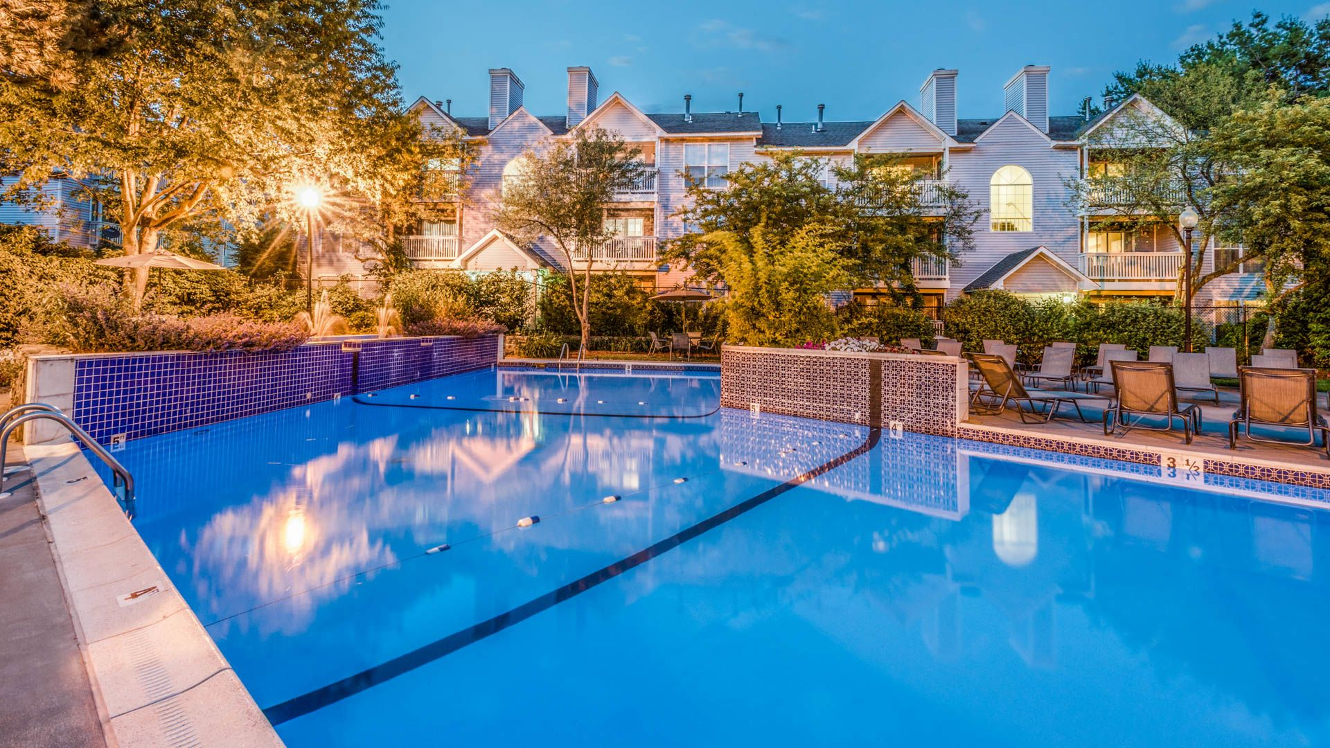 Lincoln Heights Apartments - Swimming Pool