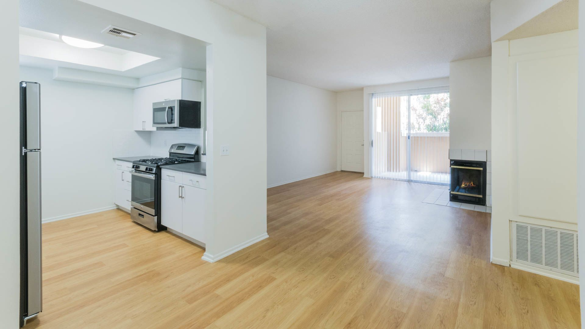 Northglen Apartments - Living Room