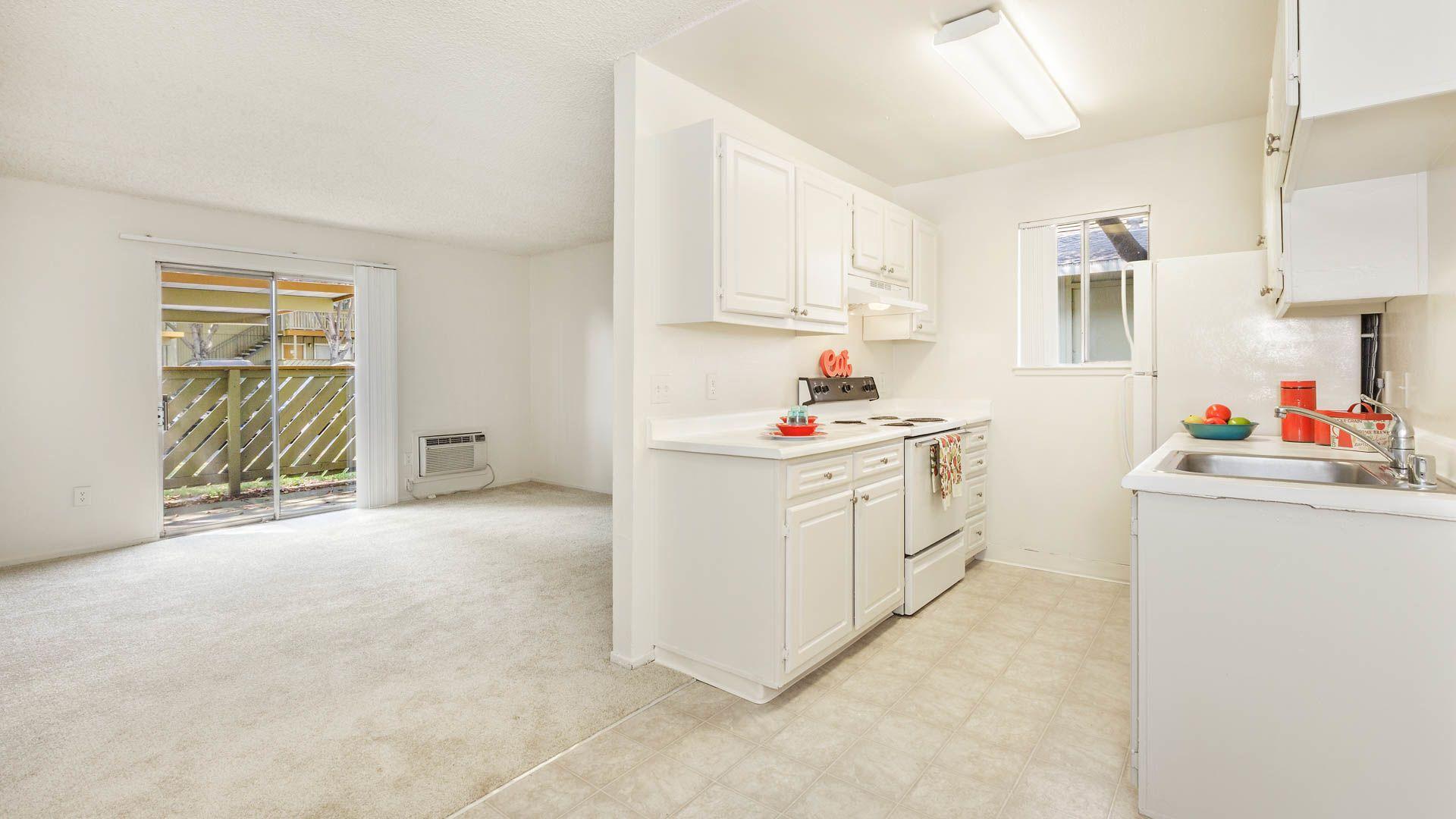 Parkside Apartments - Kitchen