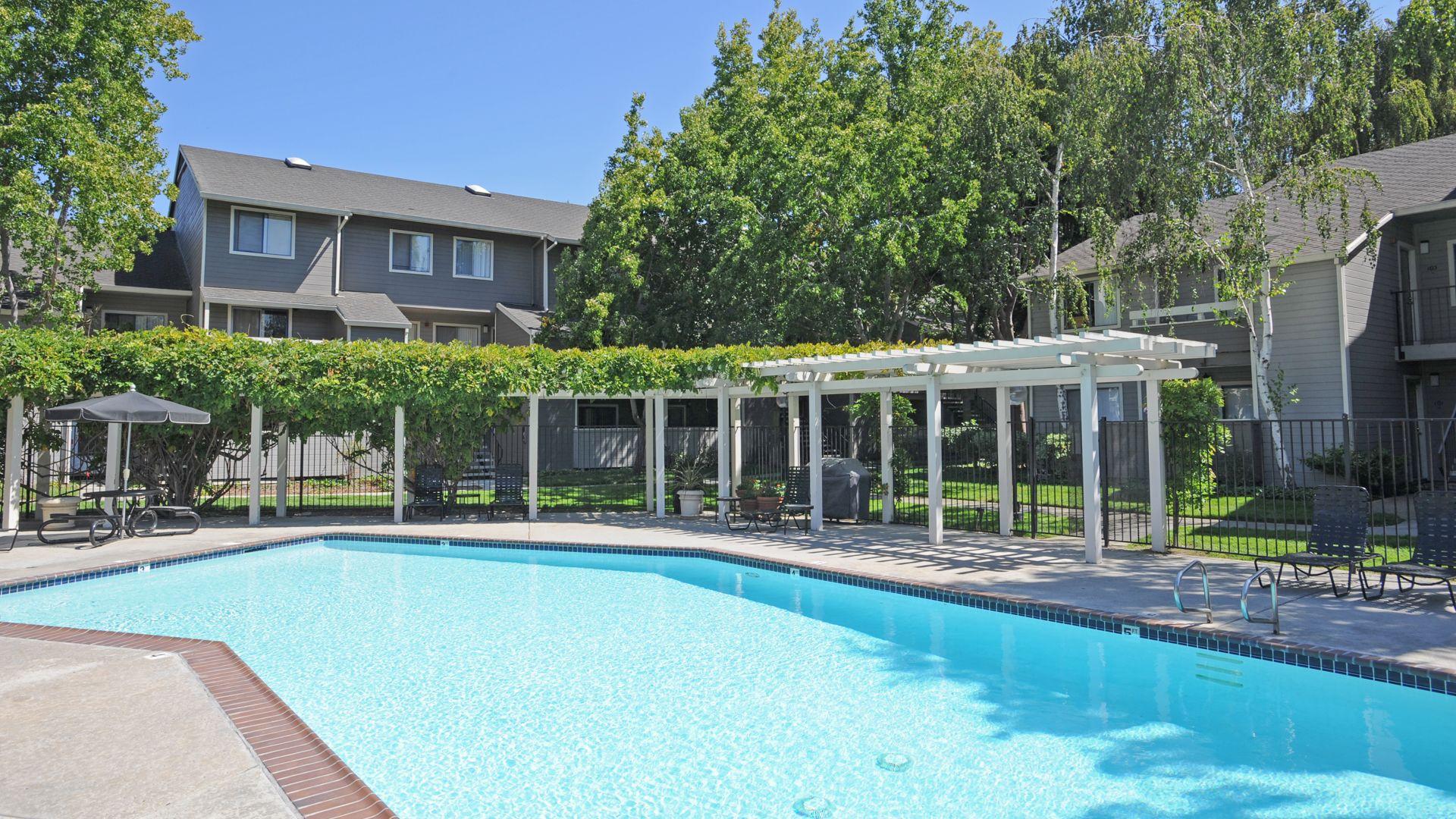 Briarwood Apartments - Pool