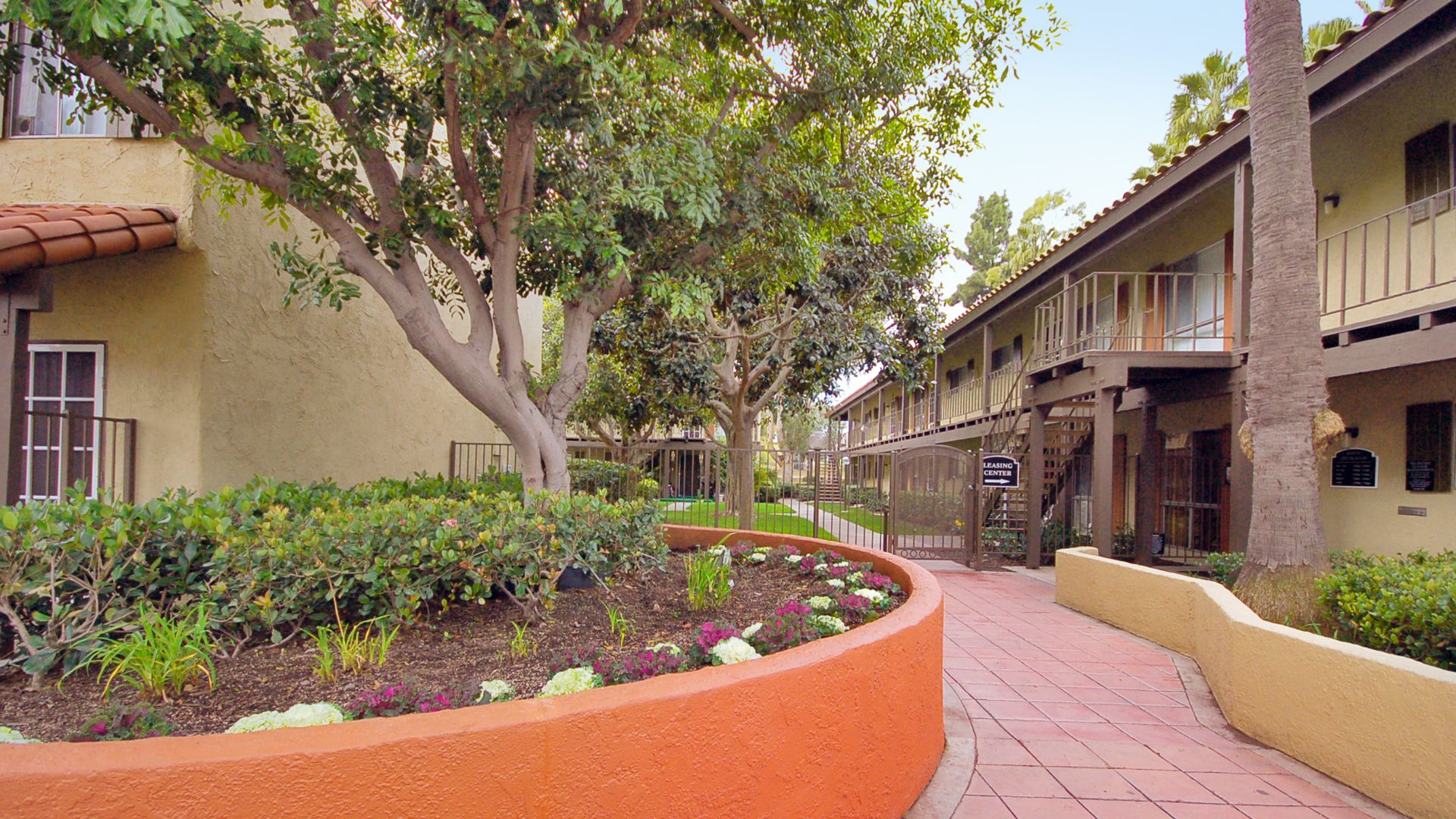 Regency Palms Apartments Community