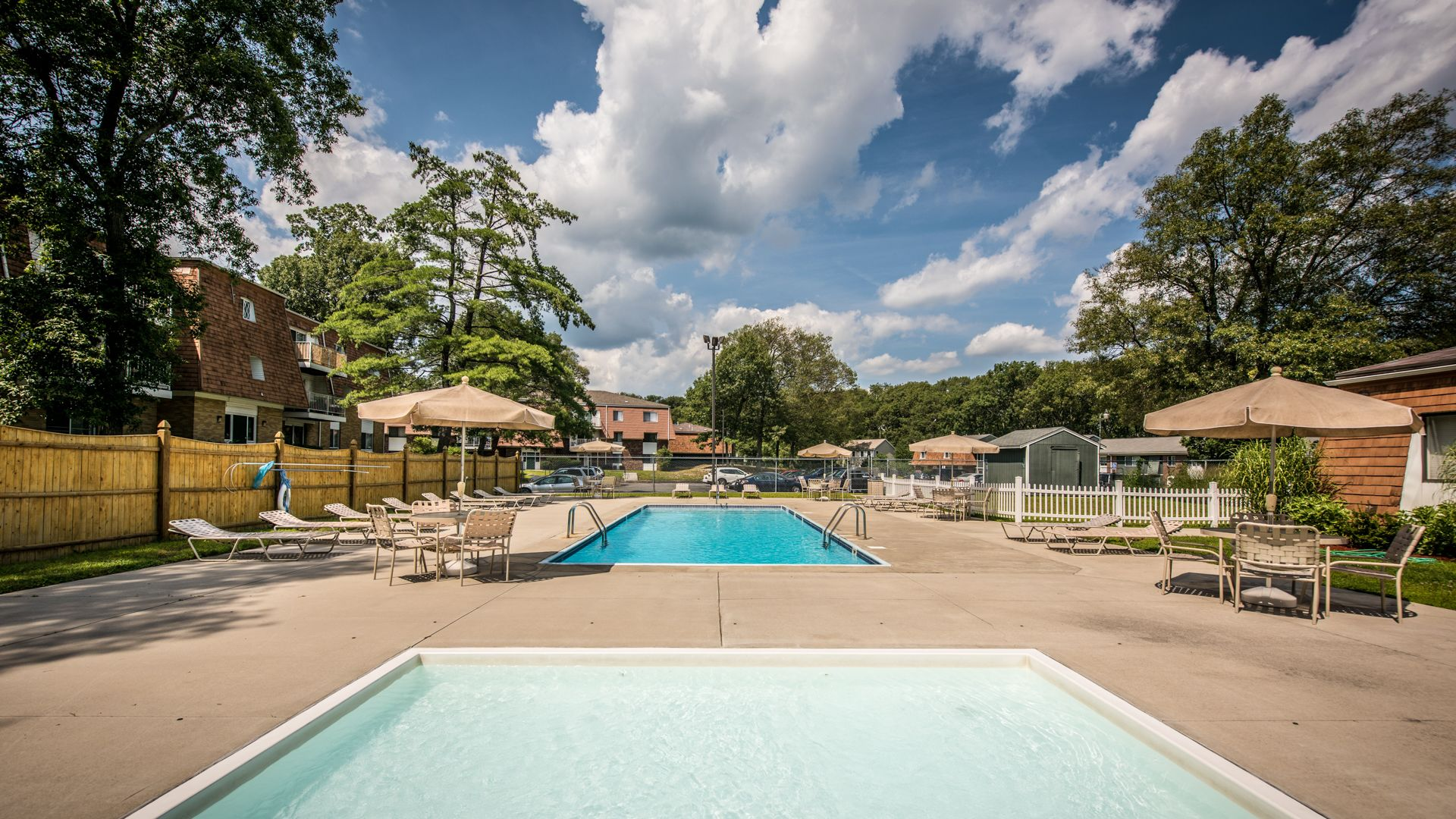 Rolling Green-Milford Apartments - Swimming Pool