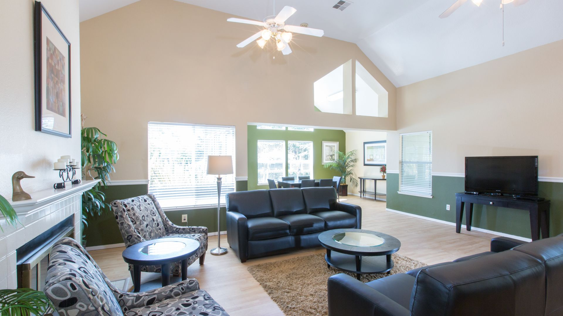 Schooner Bay Apartment Homes - Clubhouse