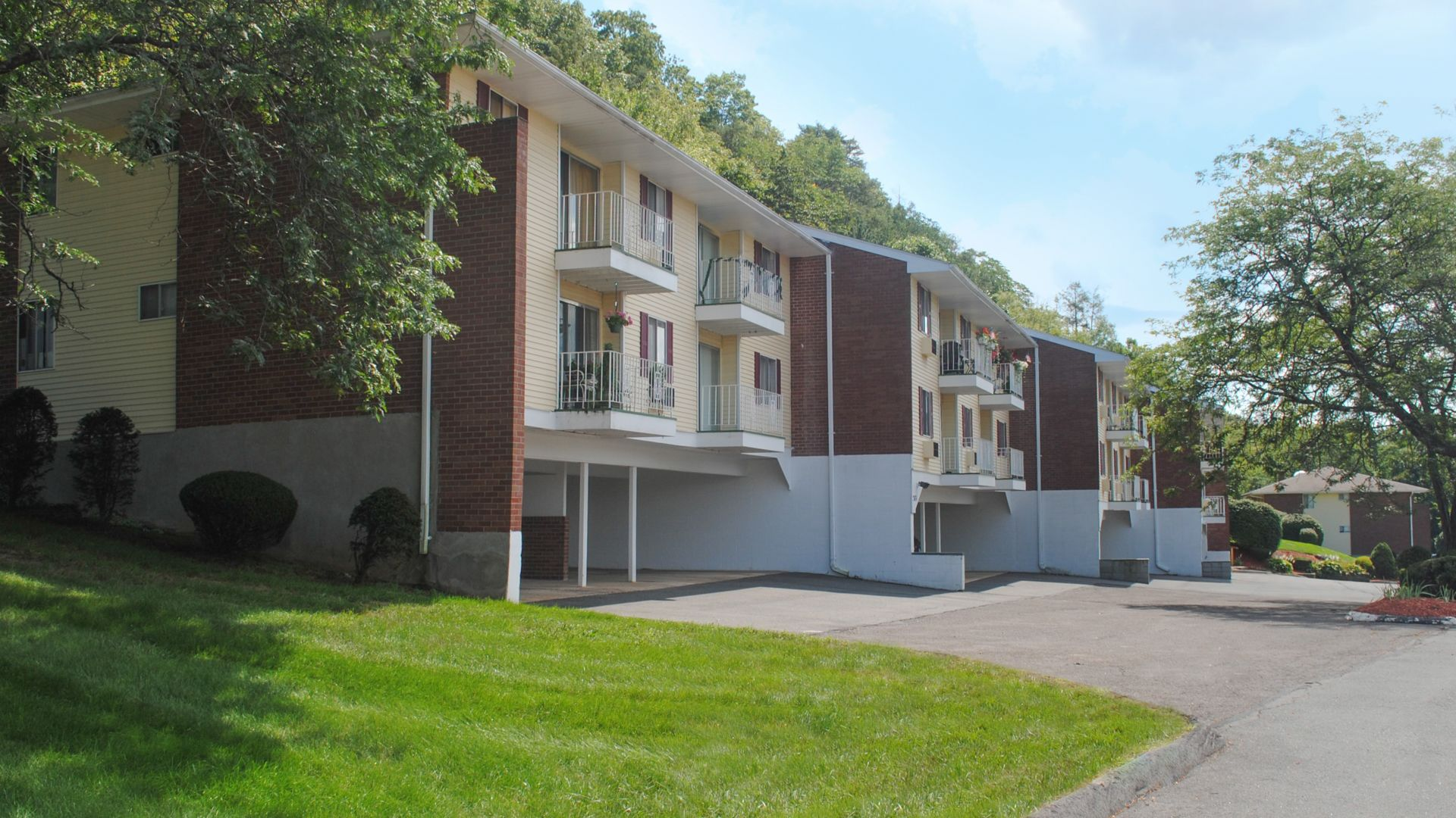 Summit and Birch Hill Apartments - Exterior