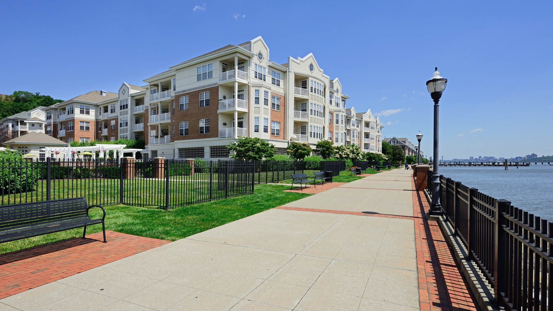 The Landings at Port Imperial Apartments - Exterior