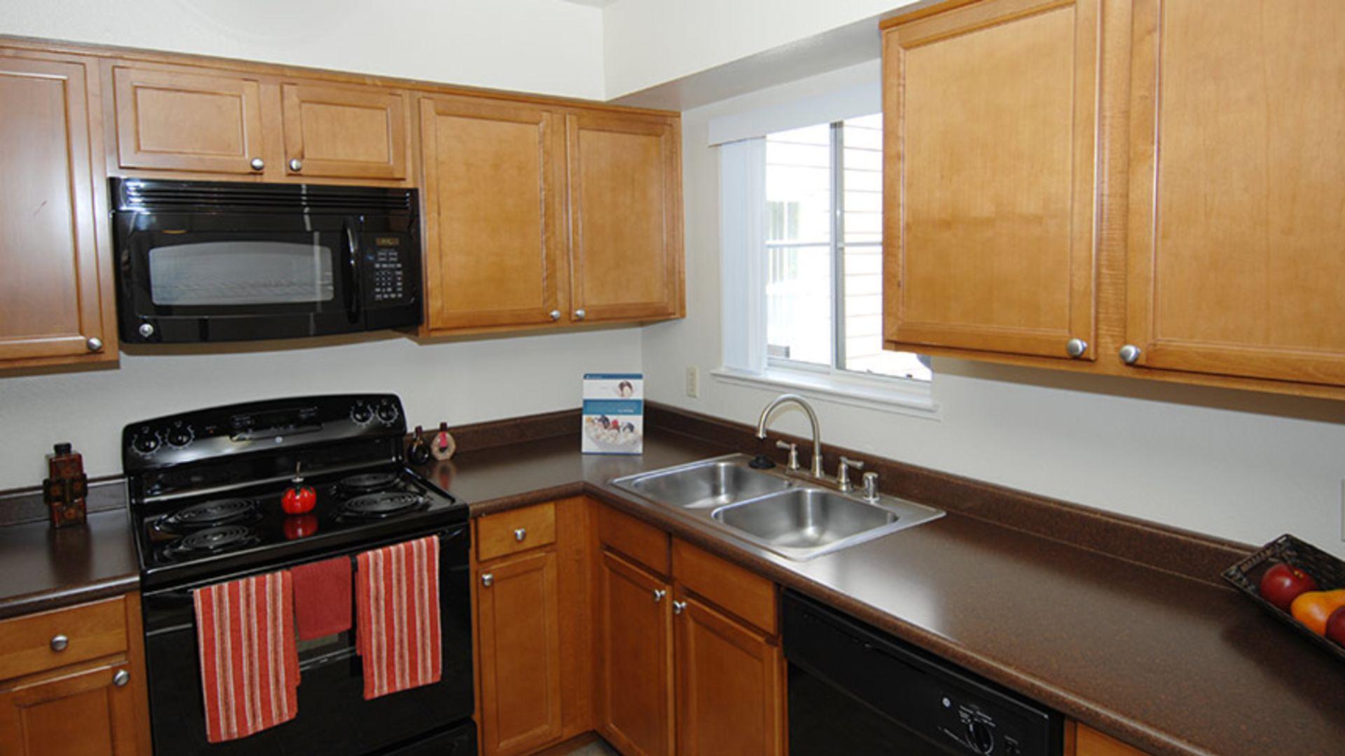 Canyon Creek Apartments - Kitchen