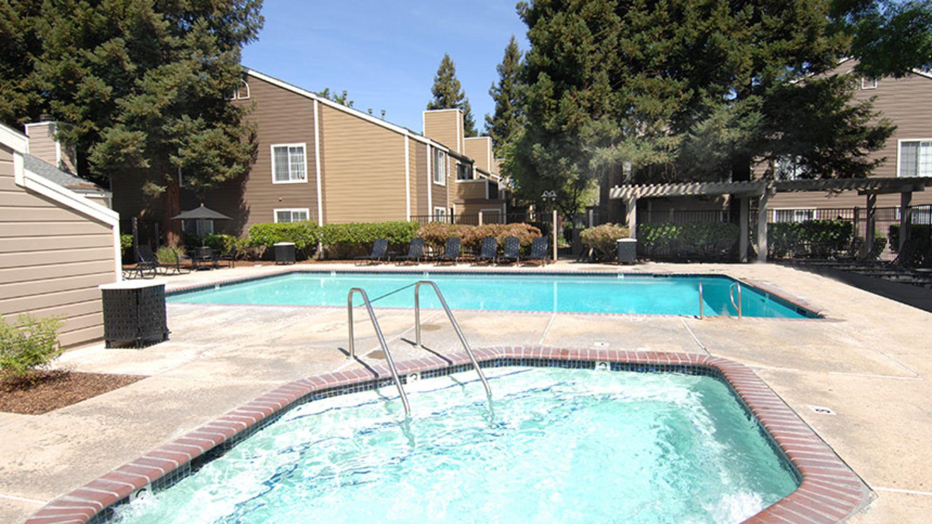 Canyon Creek Apartments - Pool