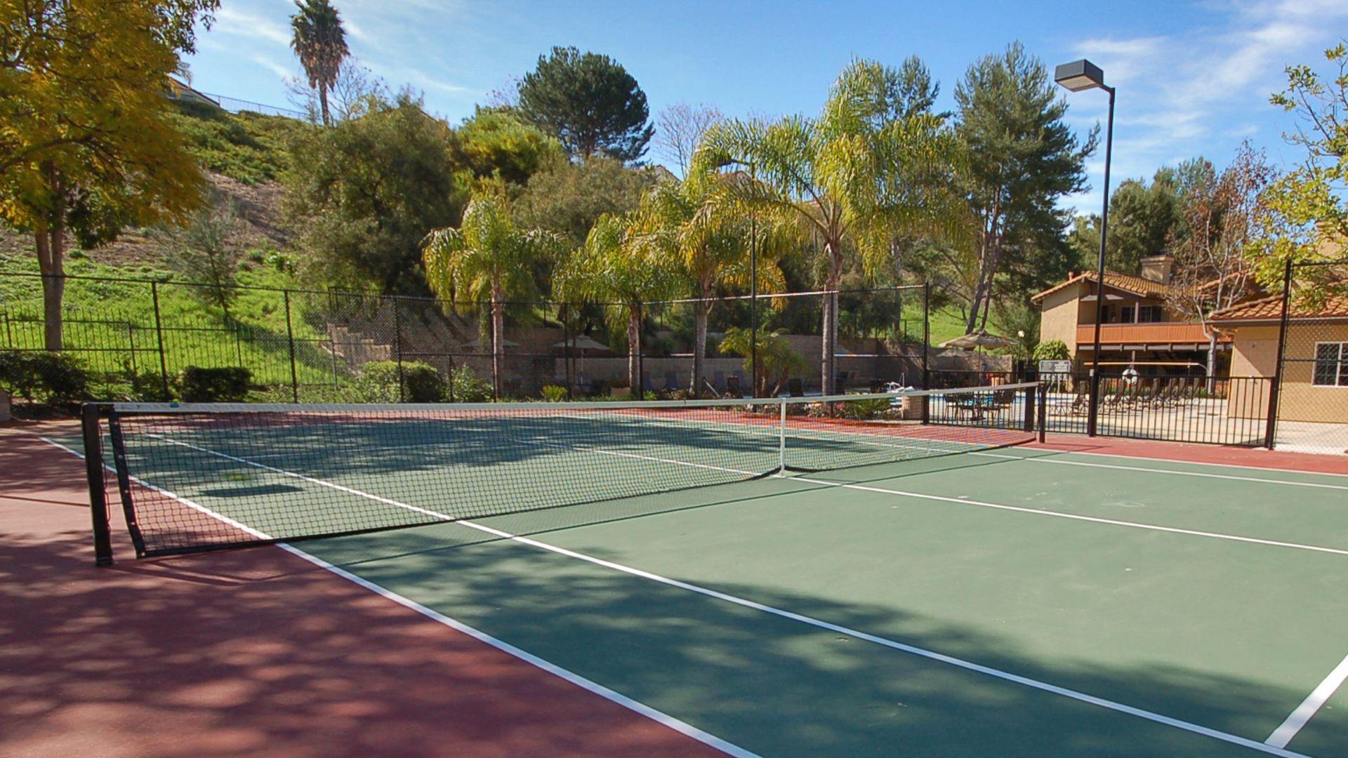 Windridge Apartments - Tennis Court