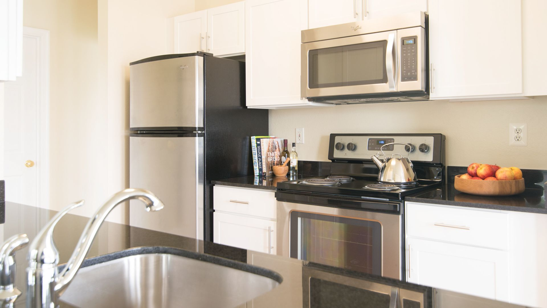 The Reserve at Fairfax Corner Apartments - Kitchen