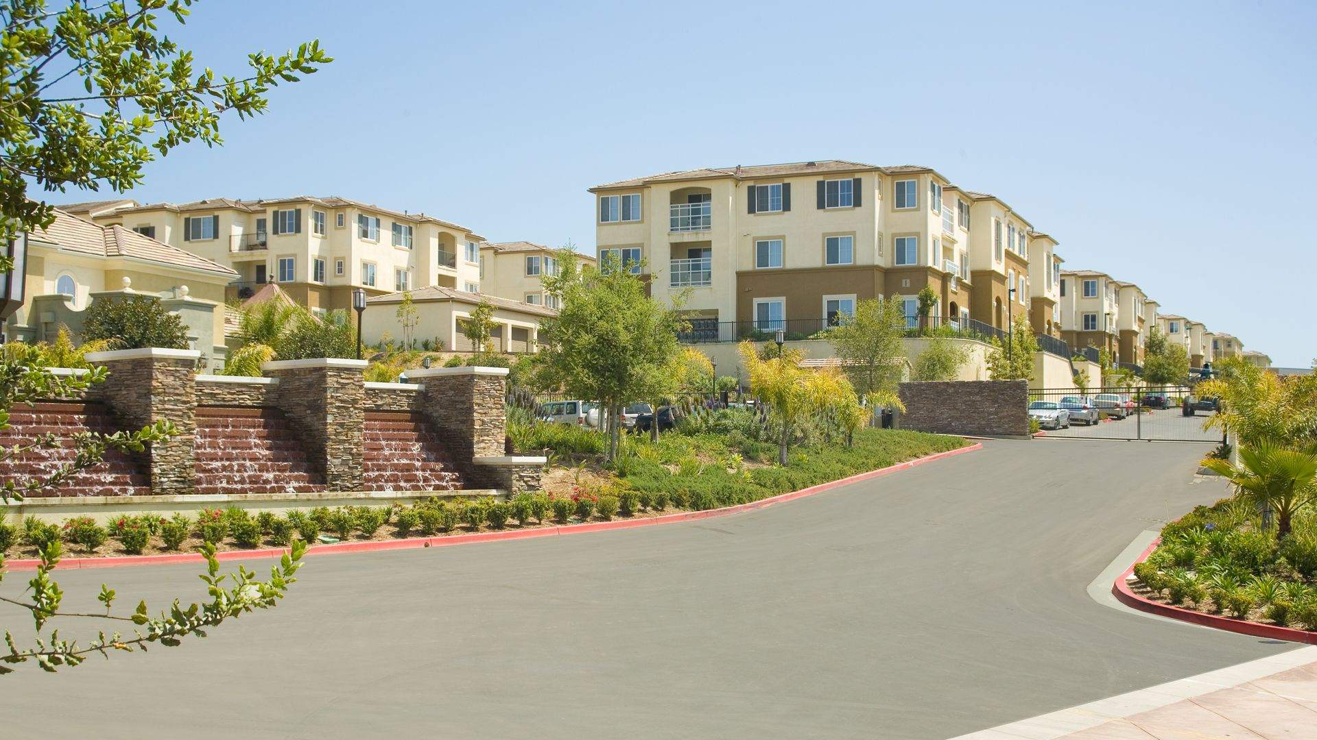 Bella Vista At Warner Ridge Apartments - Exterior