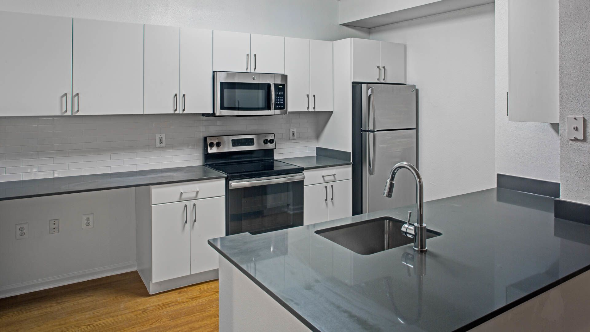 Reserve at Potomac Yard Apartments - Kitchen