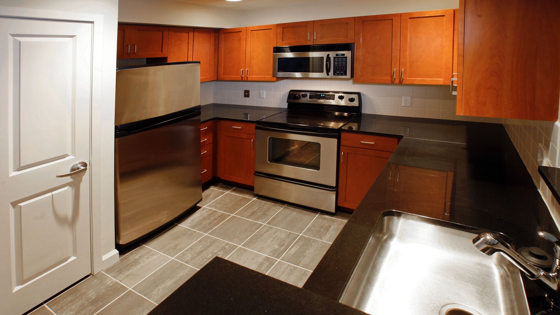The Pier Apartments - Kitchen