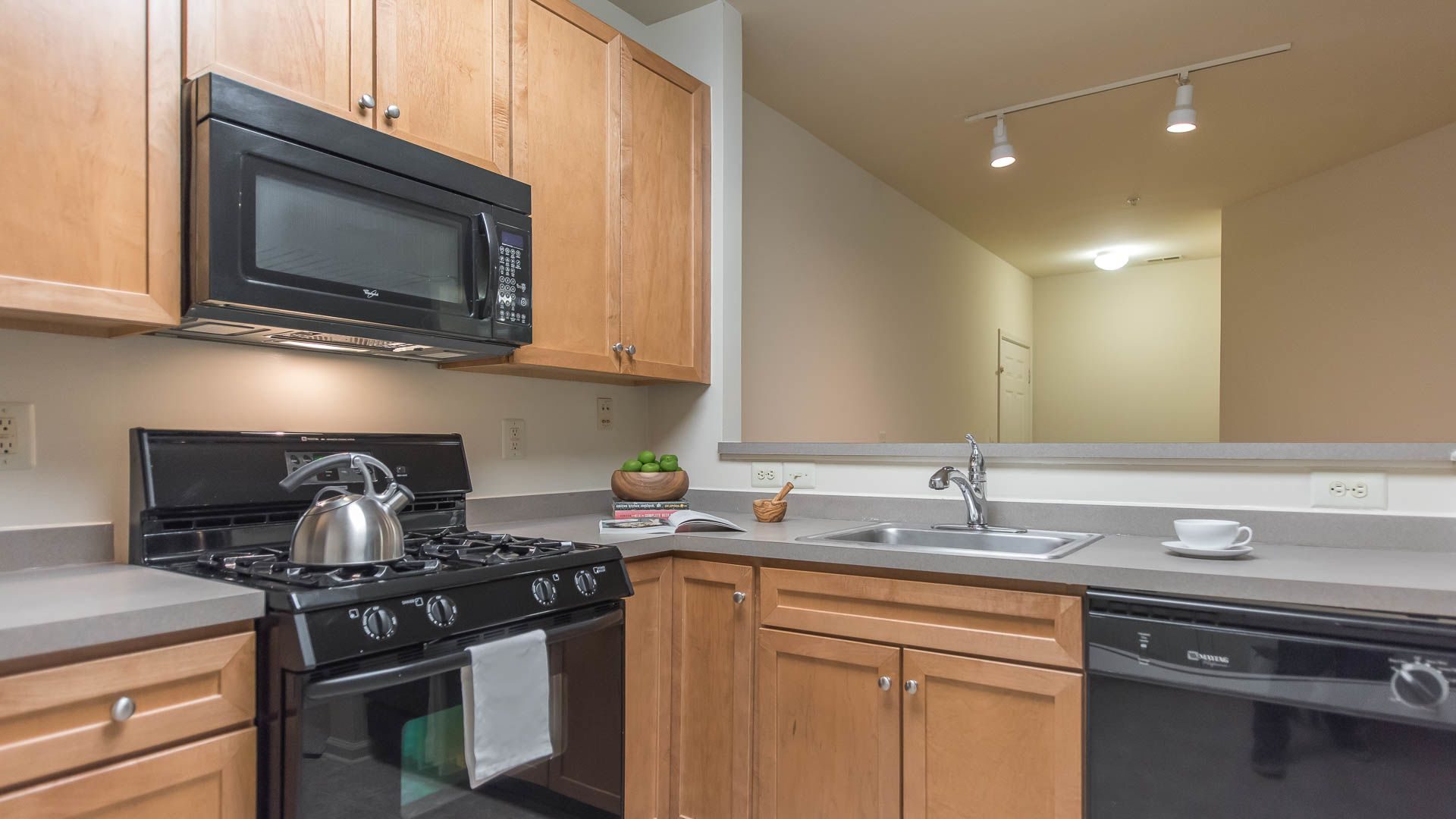 Highlands at Cherry Hill Apartments - Kitchen