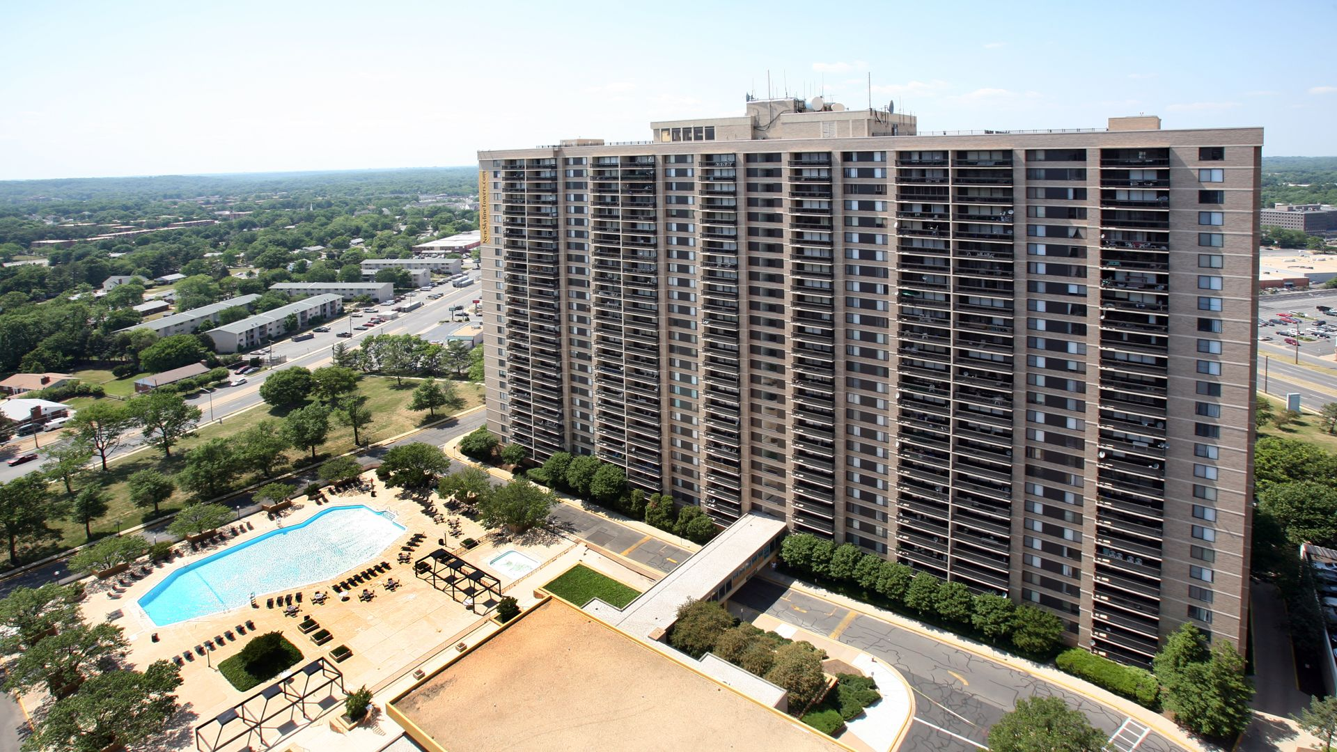 Skyline Towers Apartments - Building