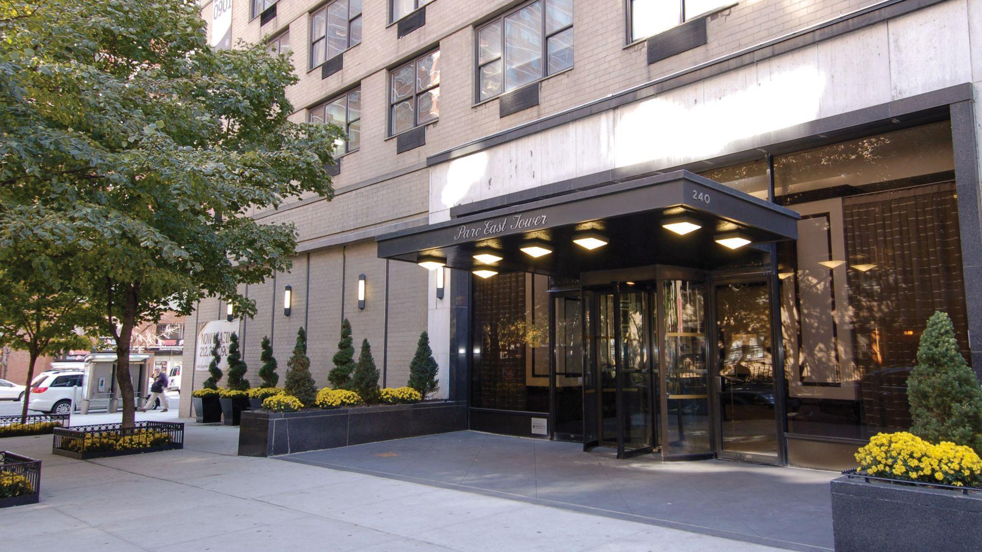 Parc East Apartments - Entrance