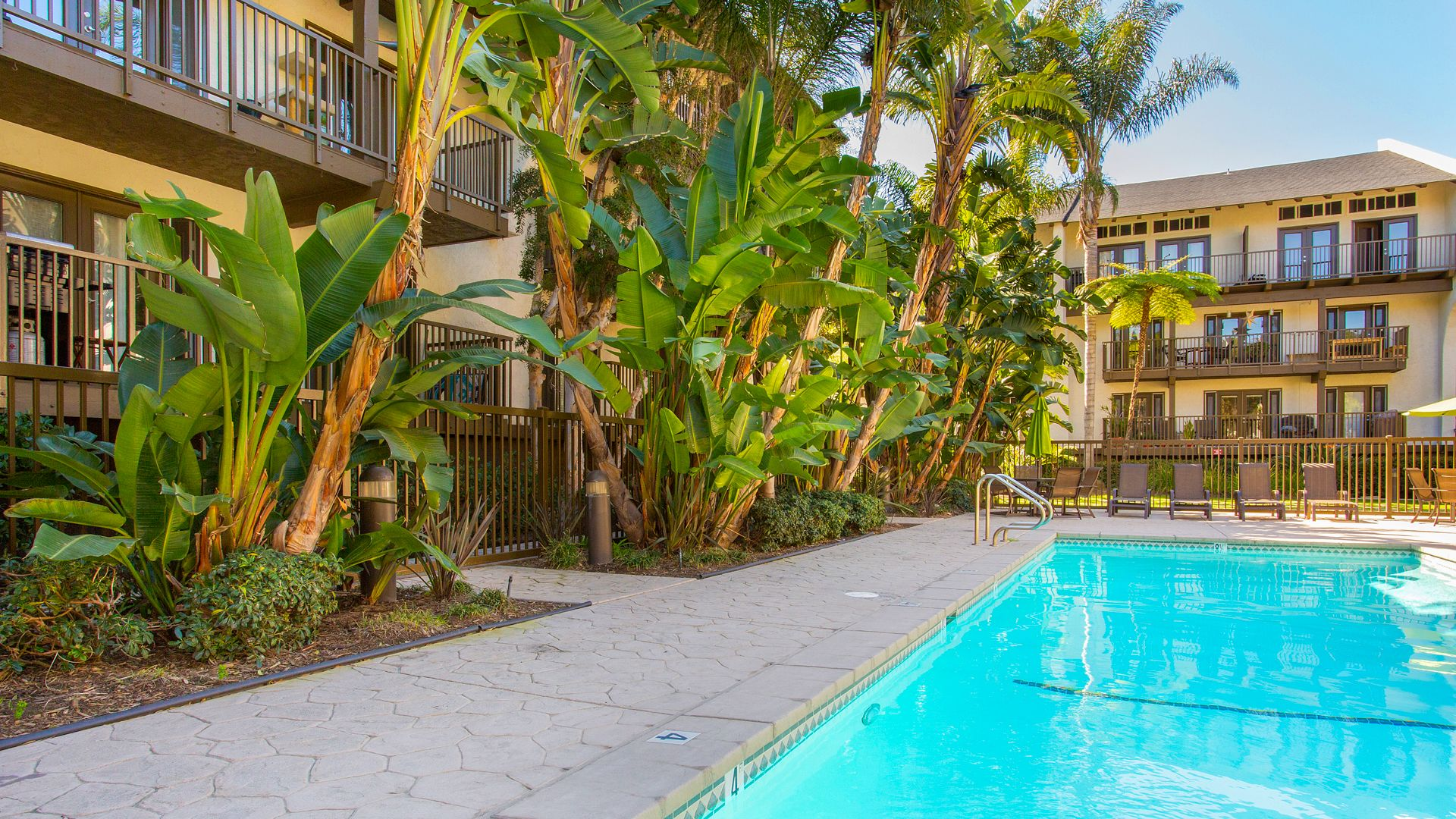 The Gallery Apartments - Swimming Pool