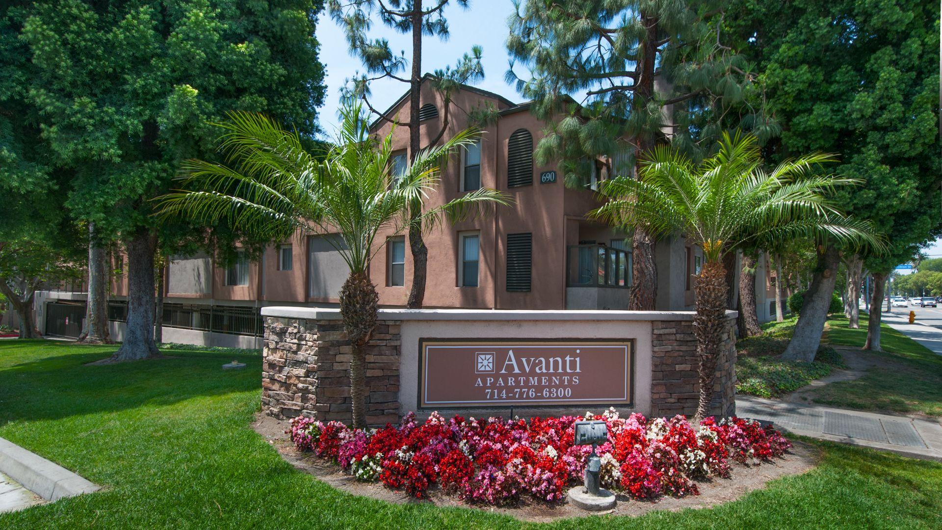 Avanti Apartments - Entrance