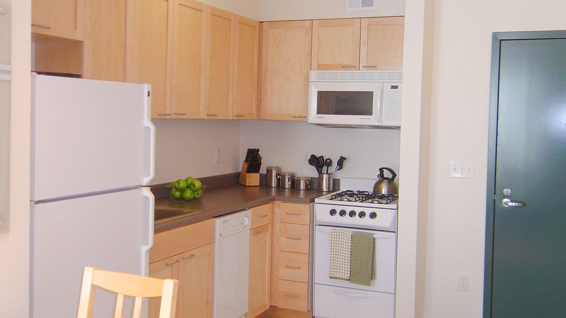 Fine Arts Apartments - Kitchen