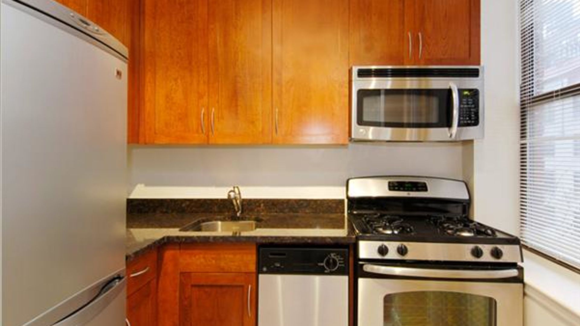 Parc Cameron Apartments - Kitchen