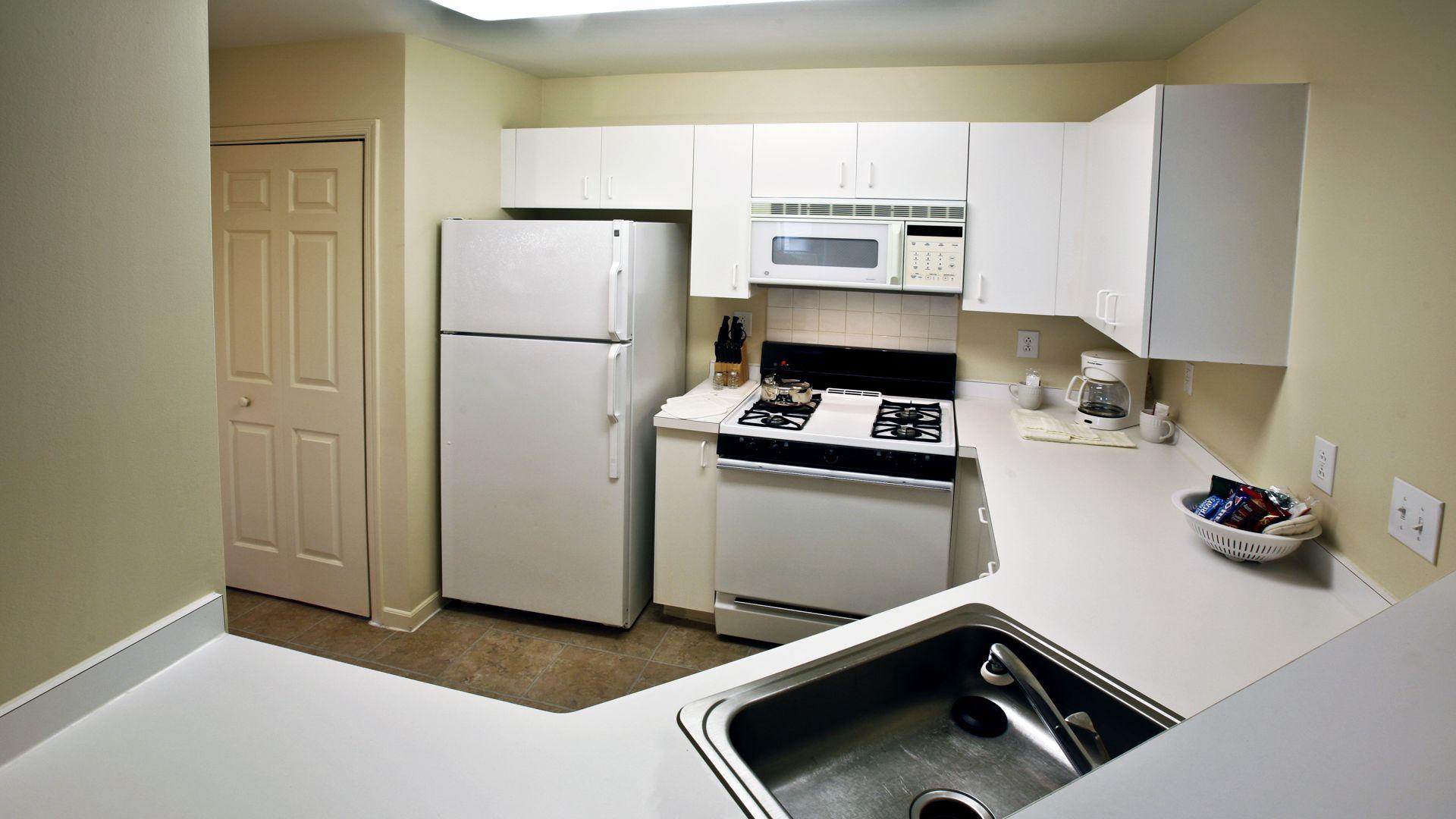Fairfield Apartments - Kitchen