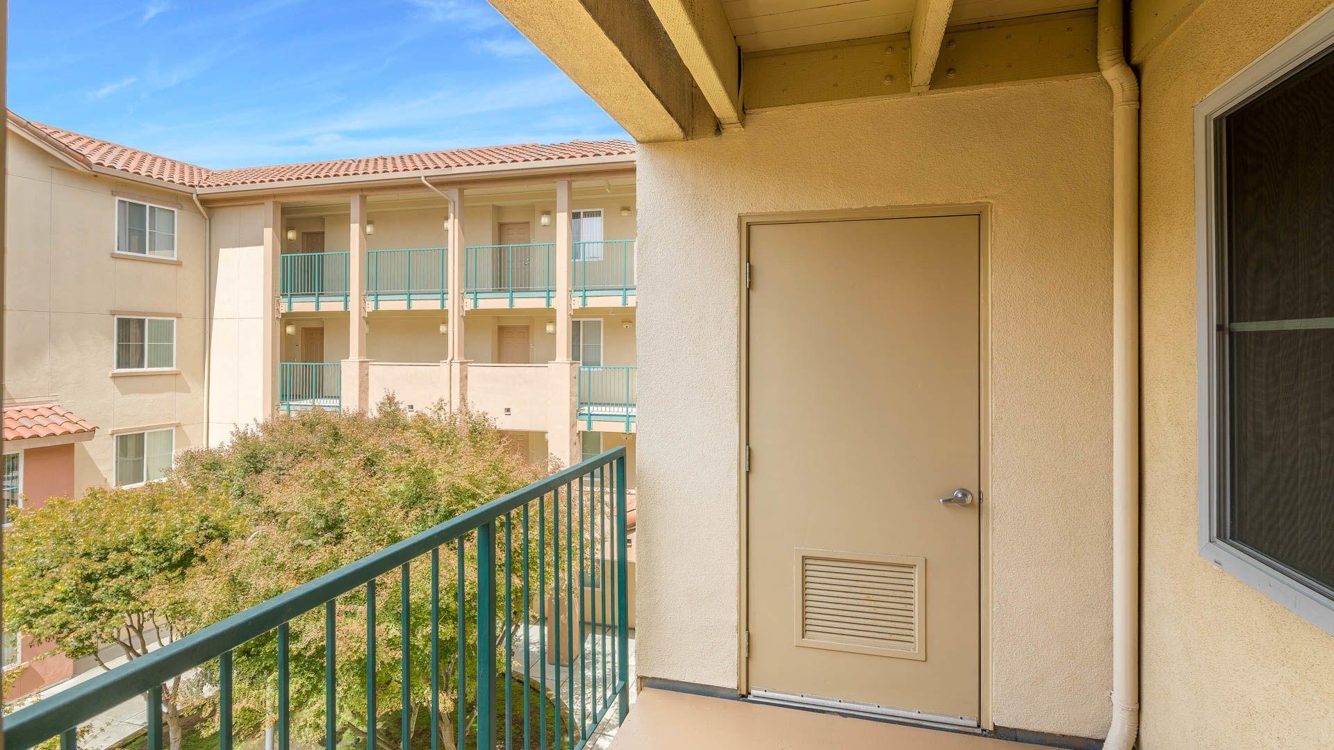 La Terrazza Apartments - Balcony