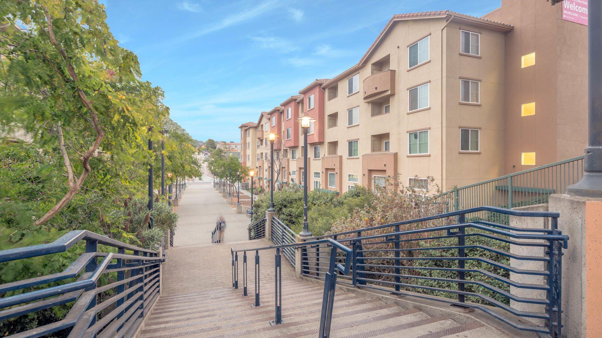 La Terrazza Apartments - Walkways