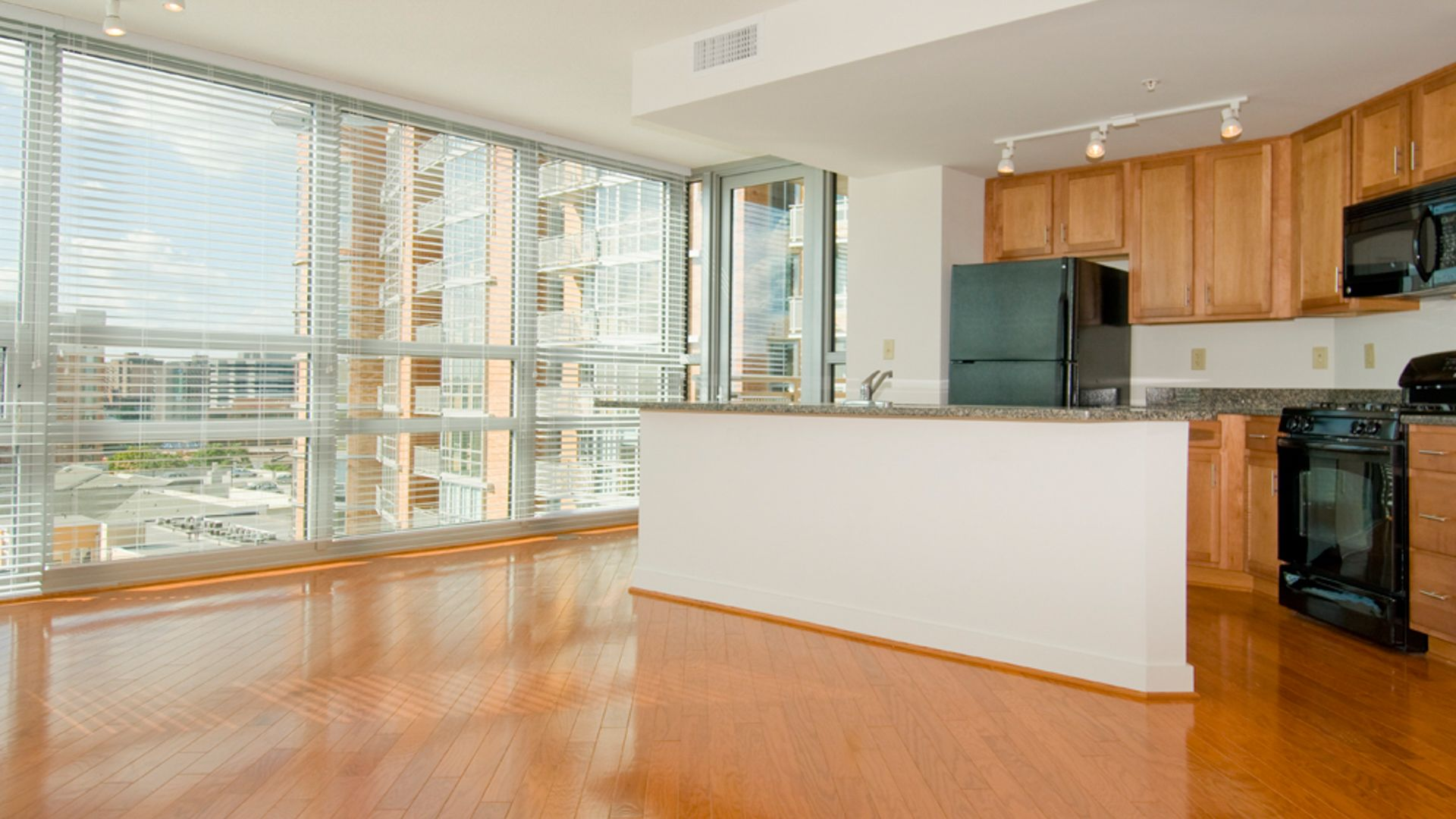 The Veridian Apartments - Kitchen and Dining Area