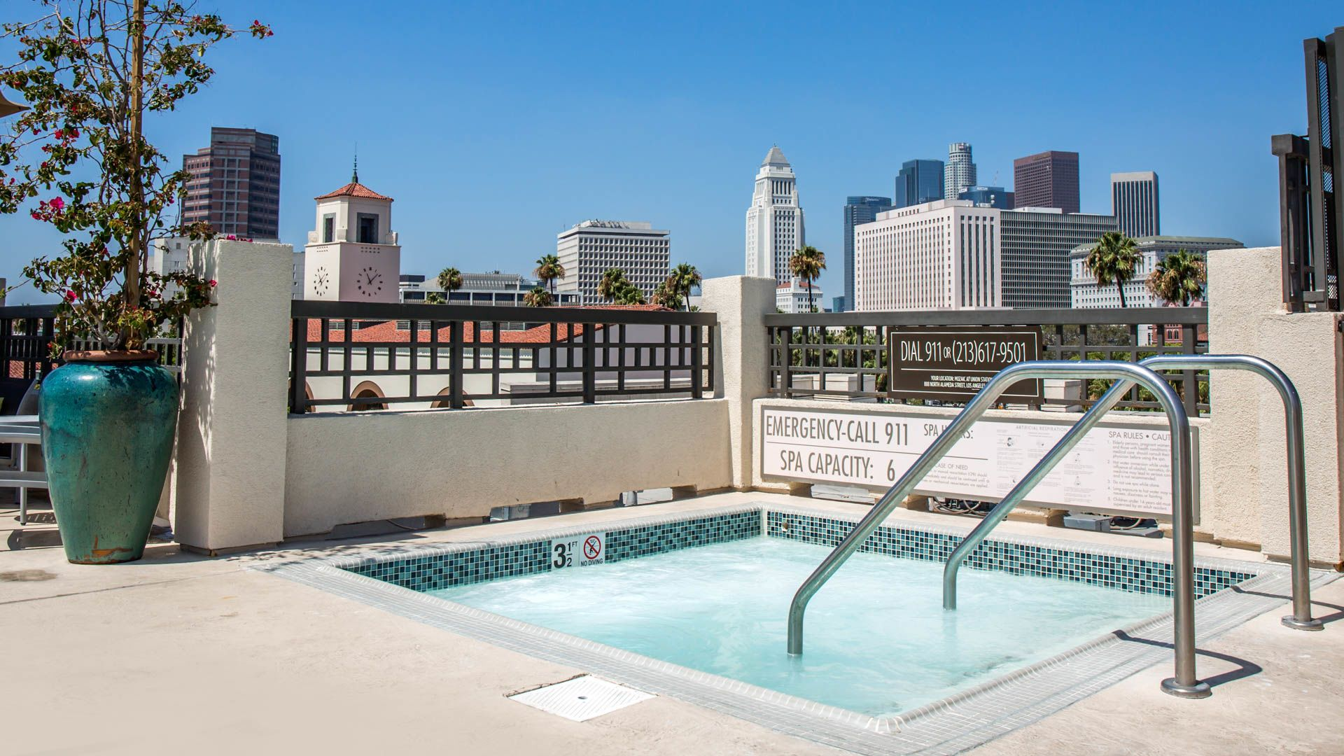 Mozaic at Union Station Apartments - Swimming Pool