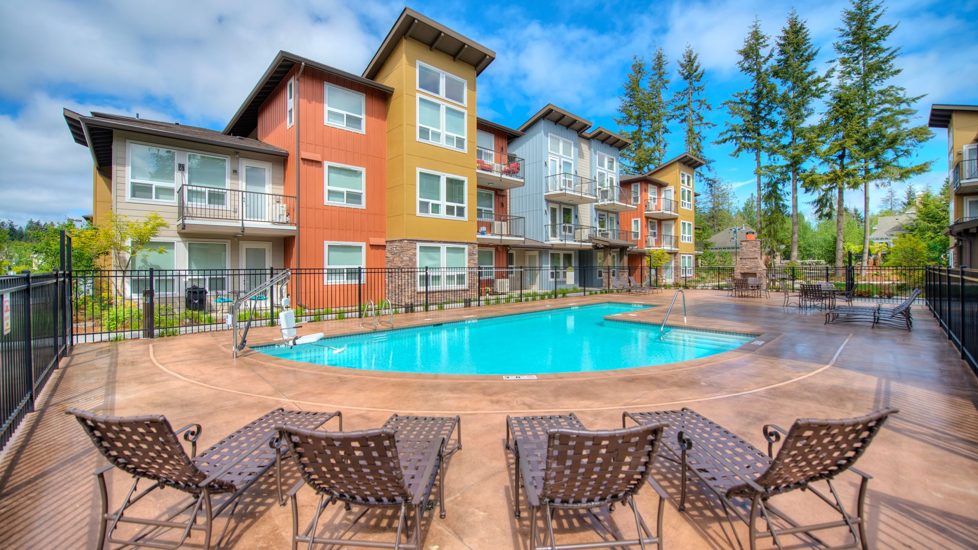 The Reserve at Town Center Apartments - Swimming Pool