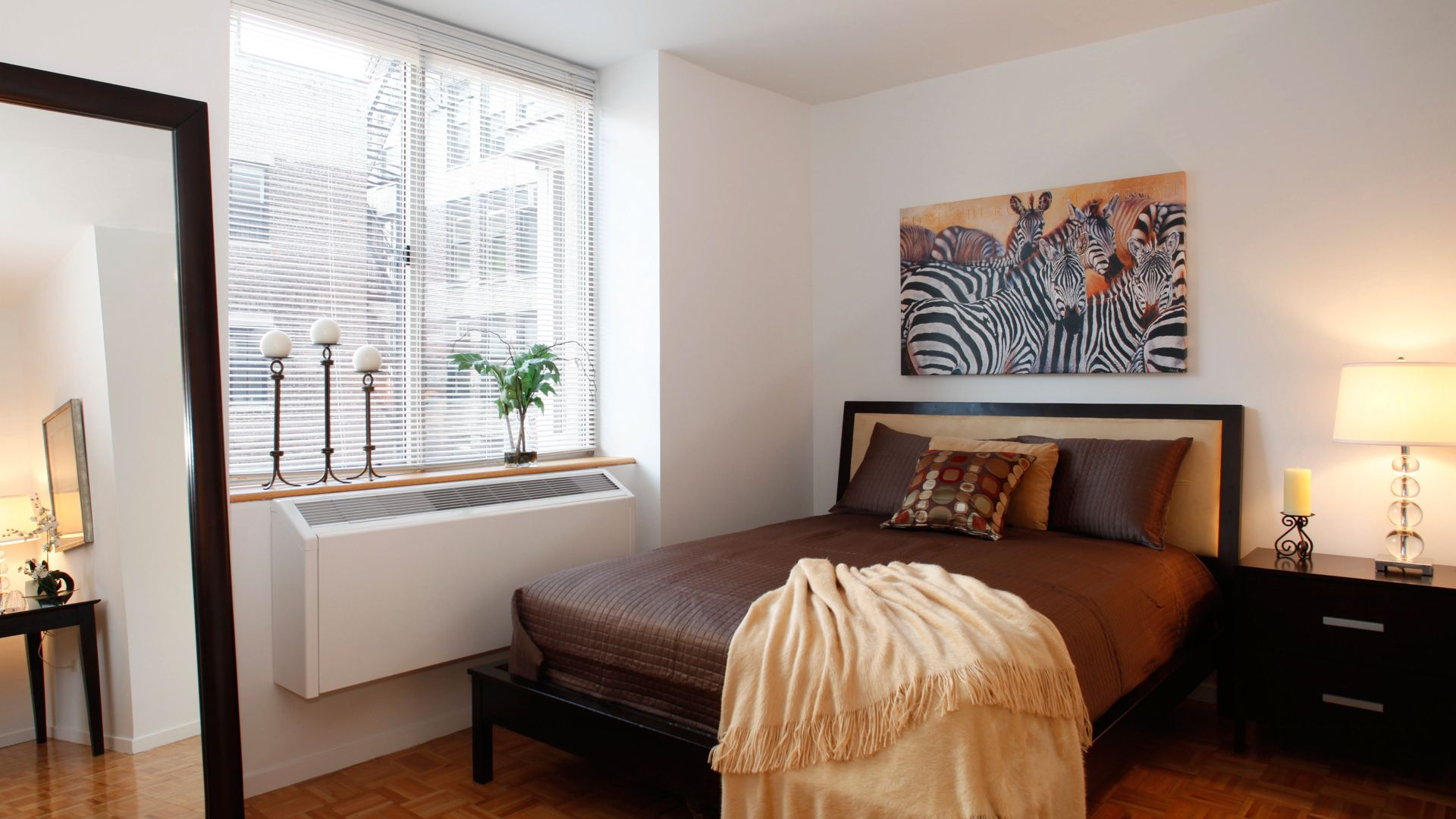 777 Sixth Avenue Apartments - Bedroom