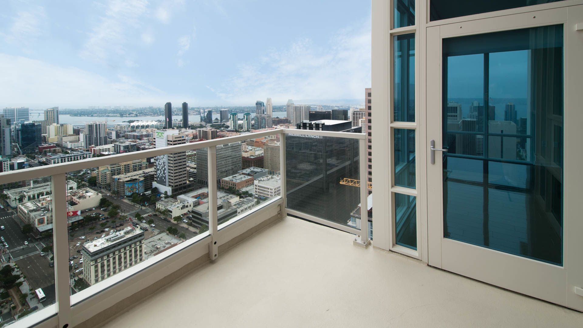 Vantage Pointe Apartments - Balcony