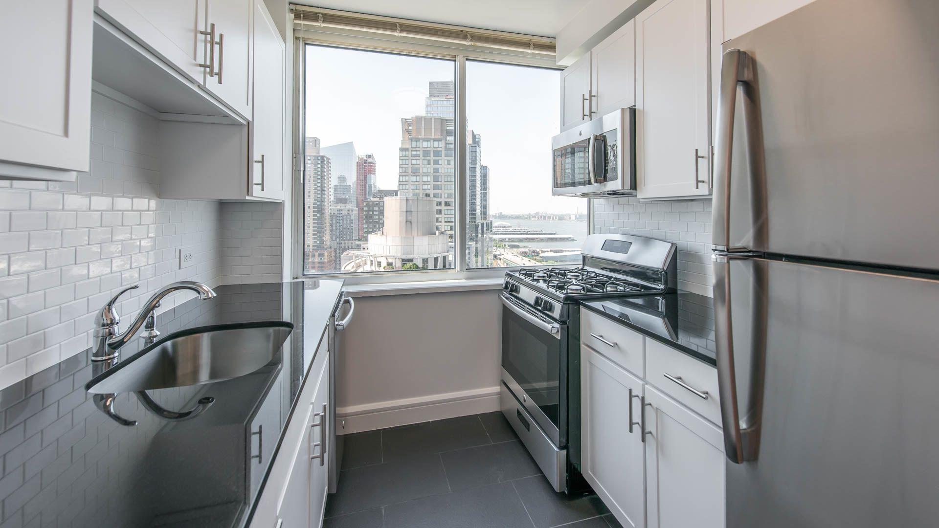Trump Place 140 Riverside Blvd Apartments - Kitchen