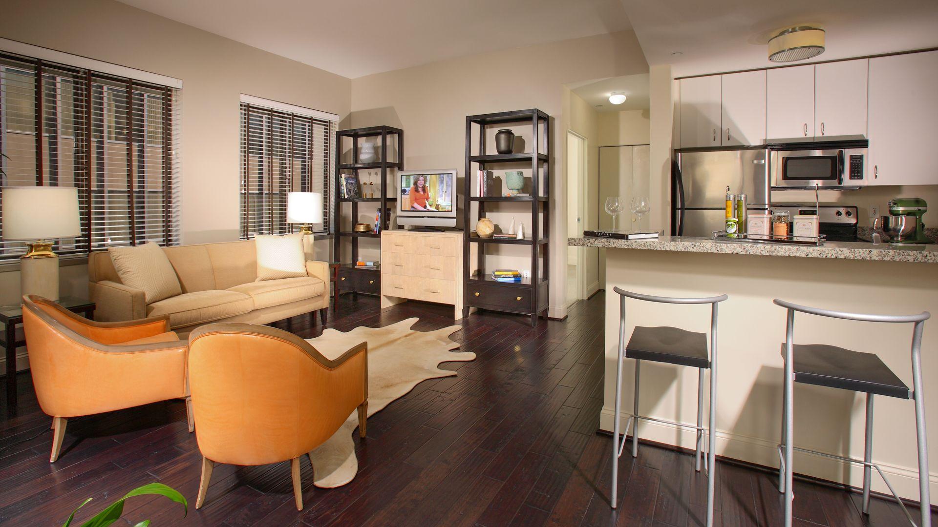 Pegasus Apartments - Living Room