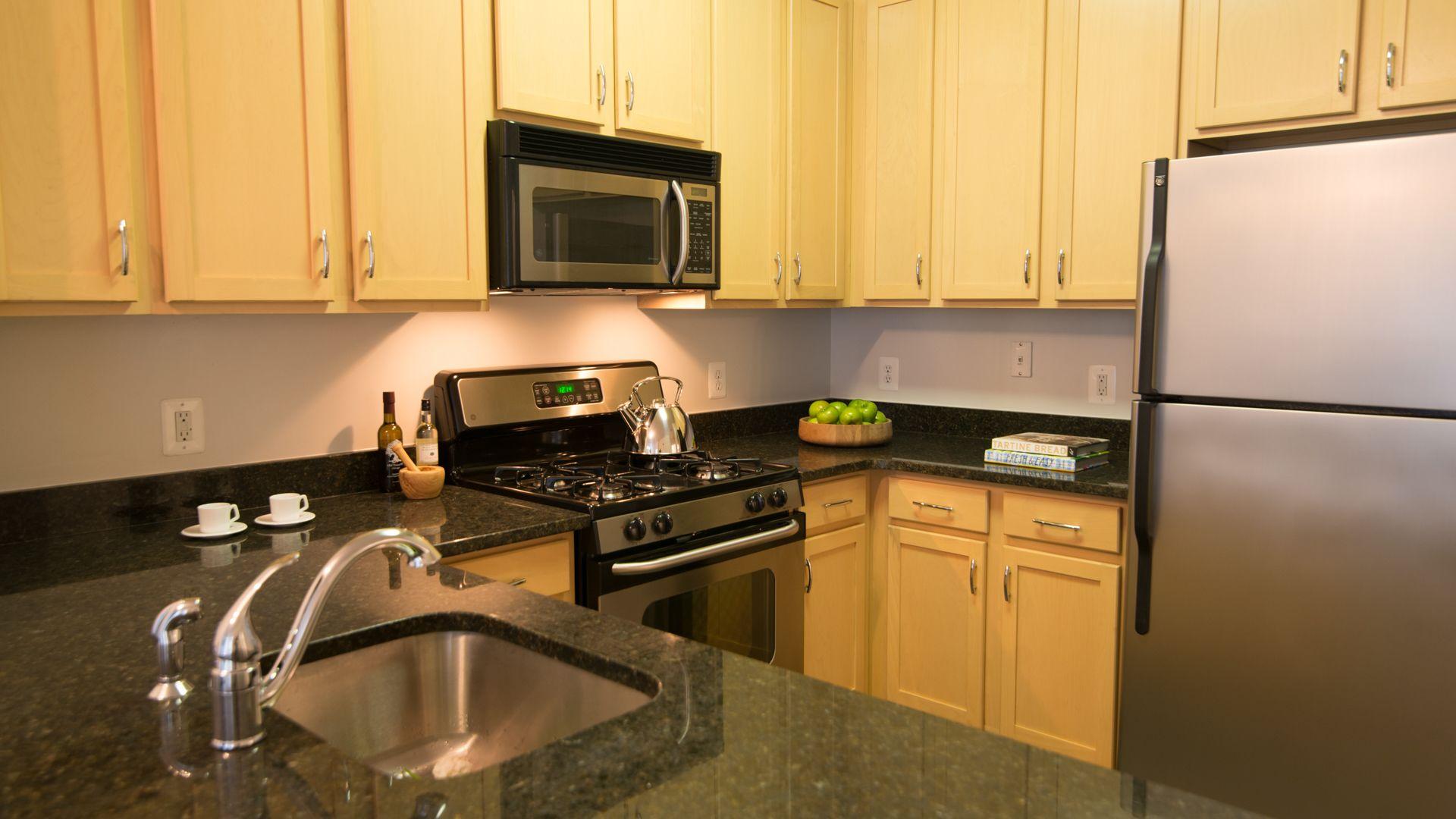 The Clarendon Apartments - Kitchen