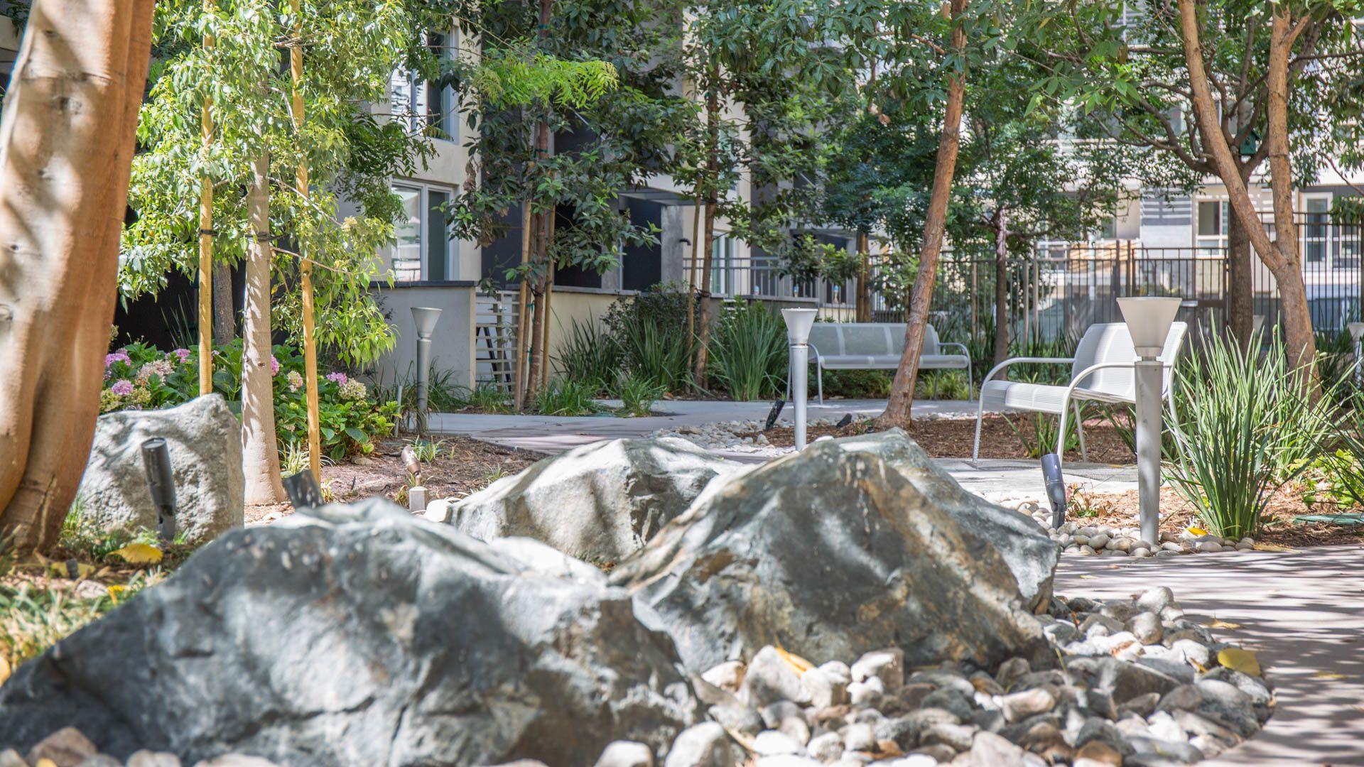 Sakura Crossing Apartments - Outdoor